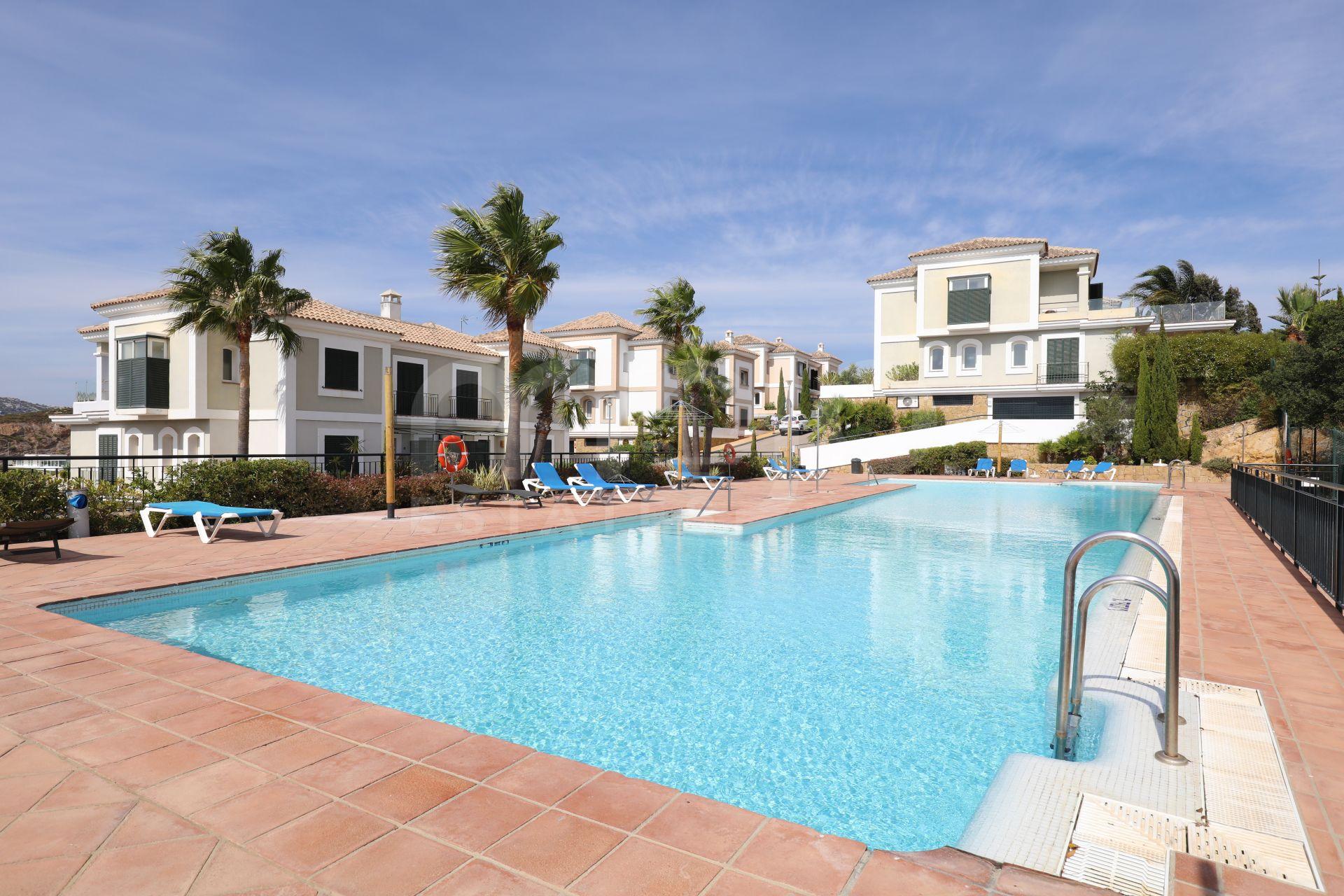 3 bedroom Luxury apartment in La Herencia Dona Julia Golf area, Casares