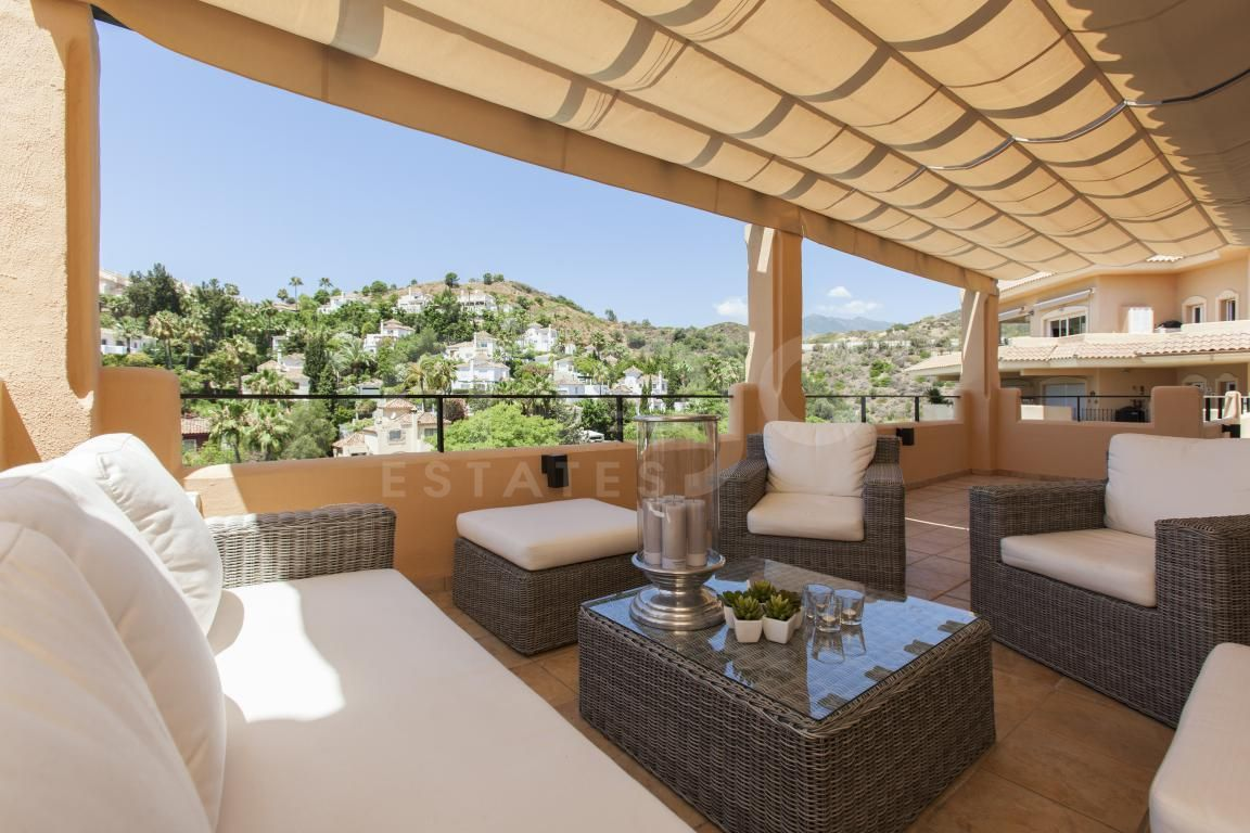 Duplex Penthouse à vendre dans Aloha Hill Club, Nueva Andalucia