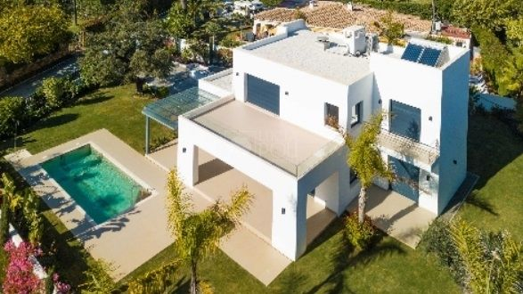 Villa  en Beach Side New Golden Mile, Estepona