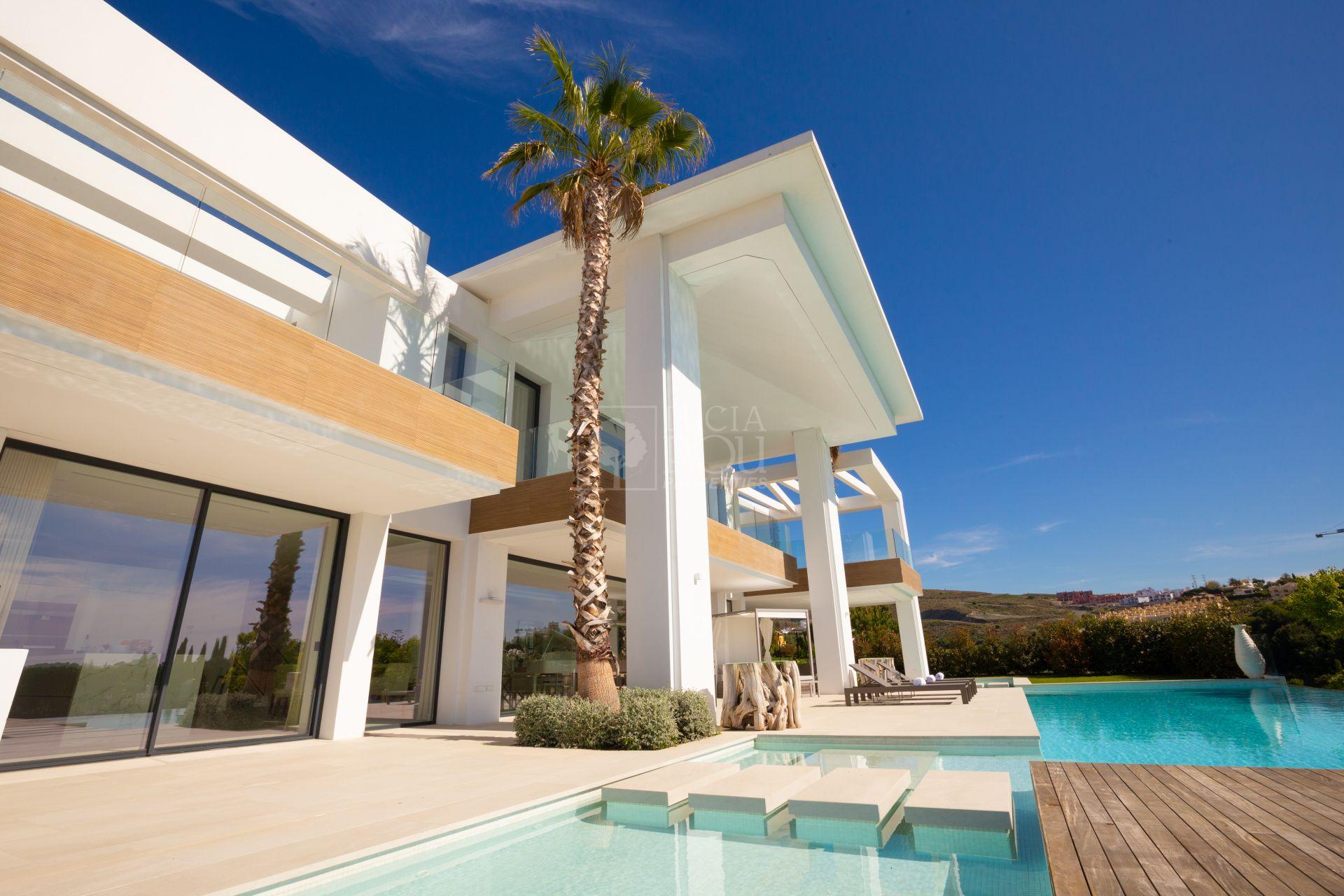 Villa  in Los Flamingos Golf, Benahavis