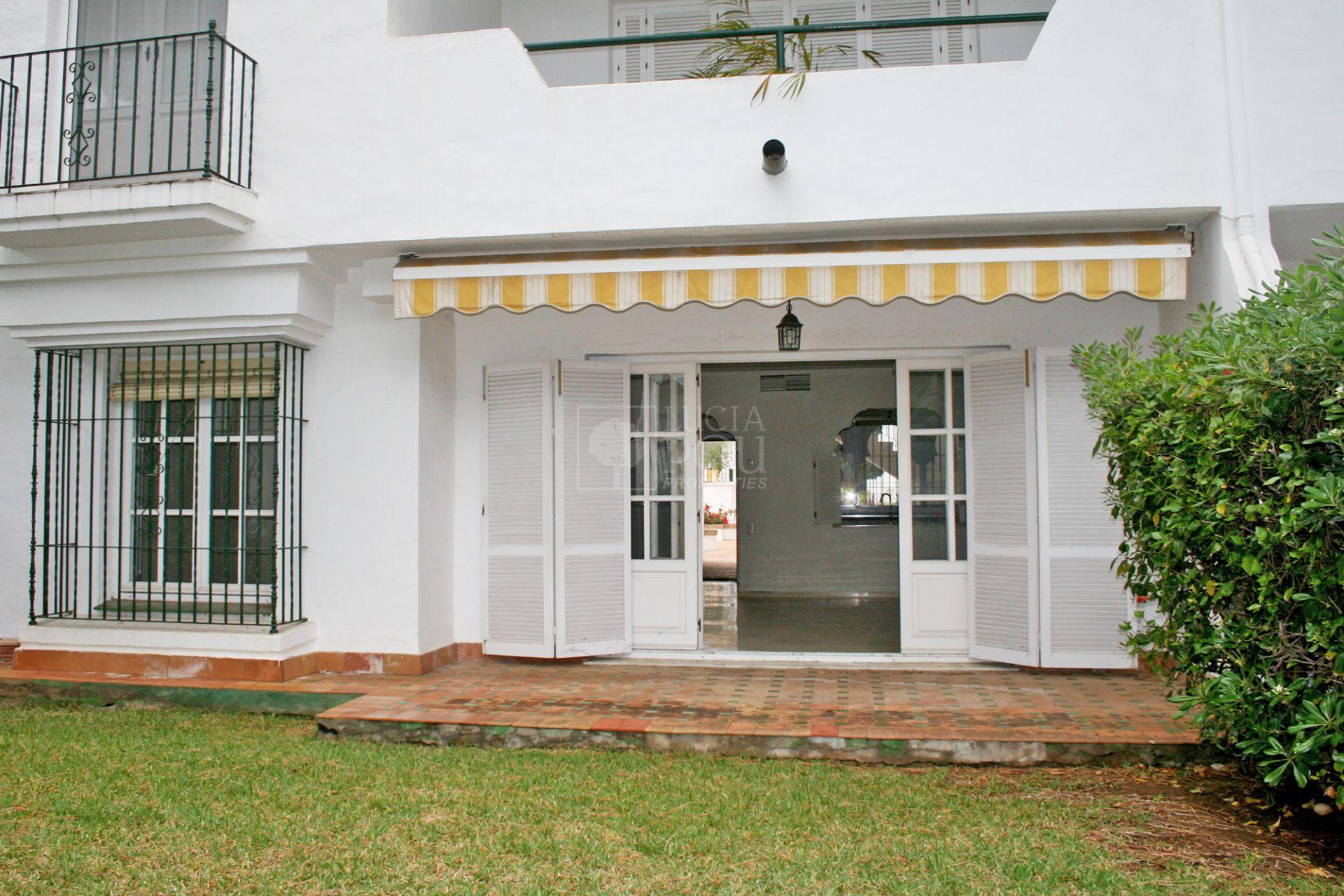Ground Floor Apartment  in Beach Side New Golden Mile, Estepona