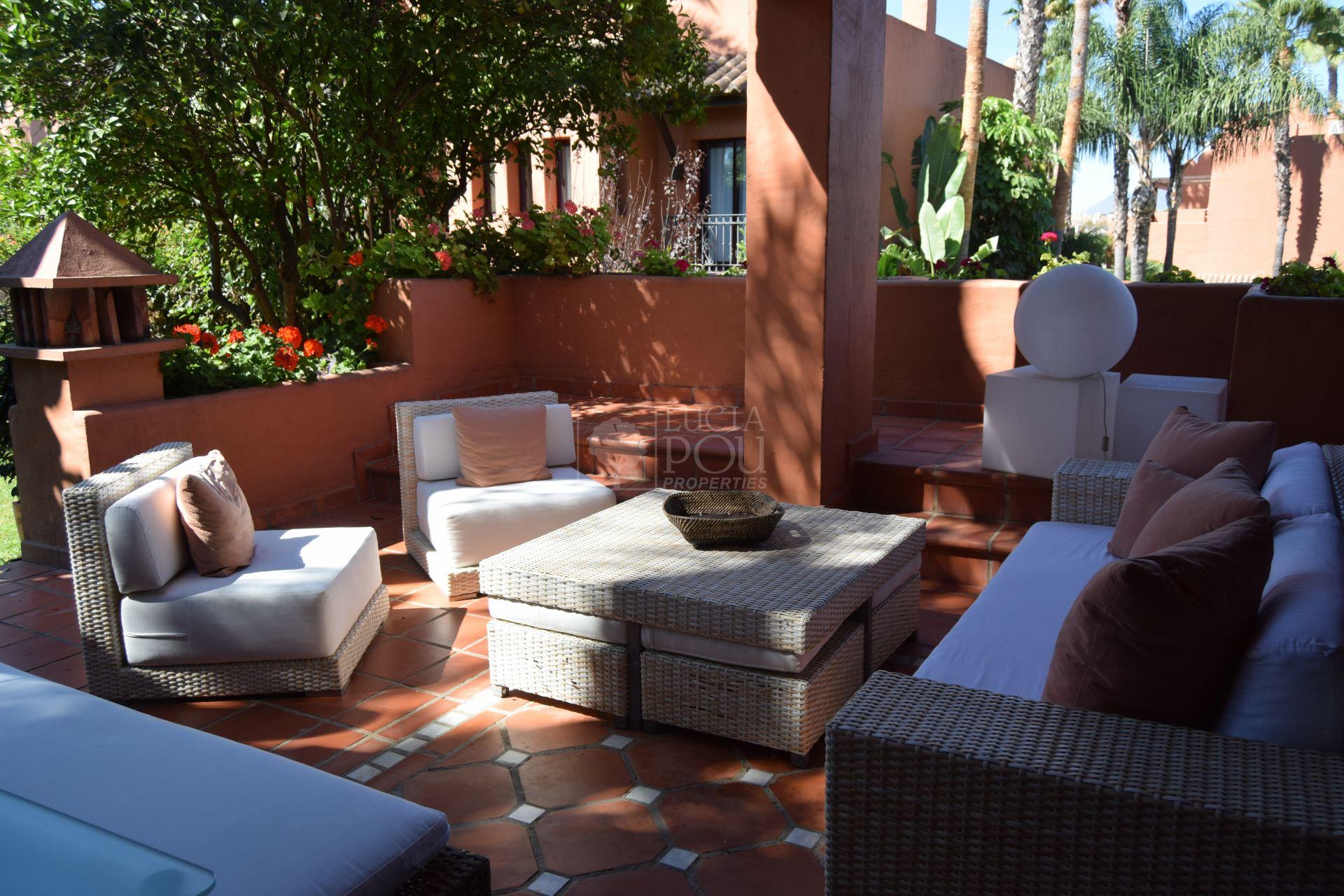 Villa Pareada  en Marbella Golden Mile, Marbella