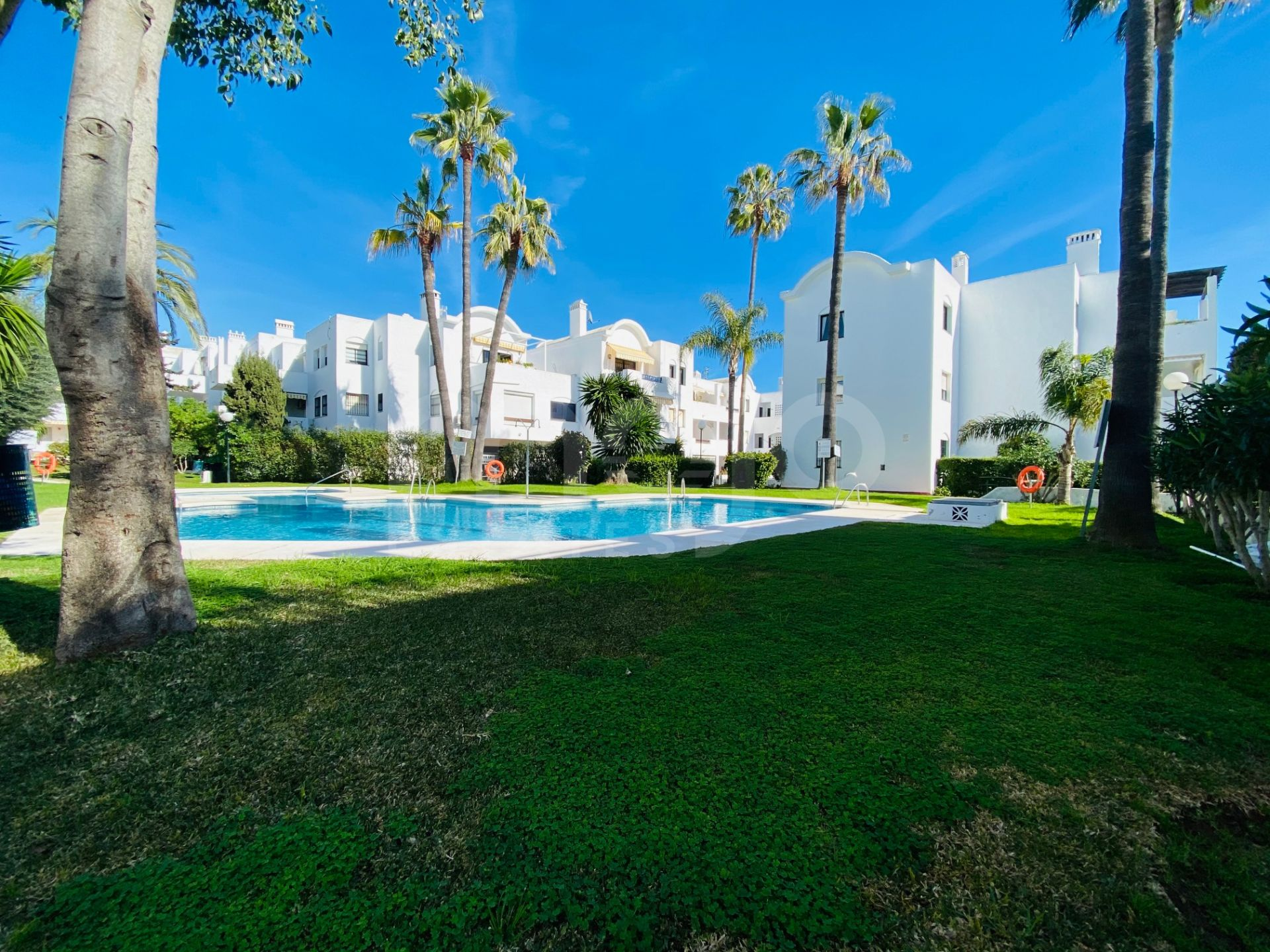 Appartement begane grond te koop in New Golden Mile, Estepona