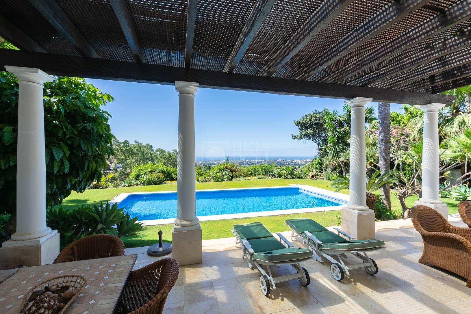 Villa  in Ctra. De Ronda, Benahavis