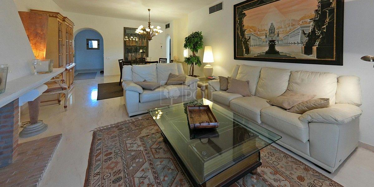Penthouse  in New Golden Mile, Estepona