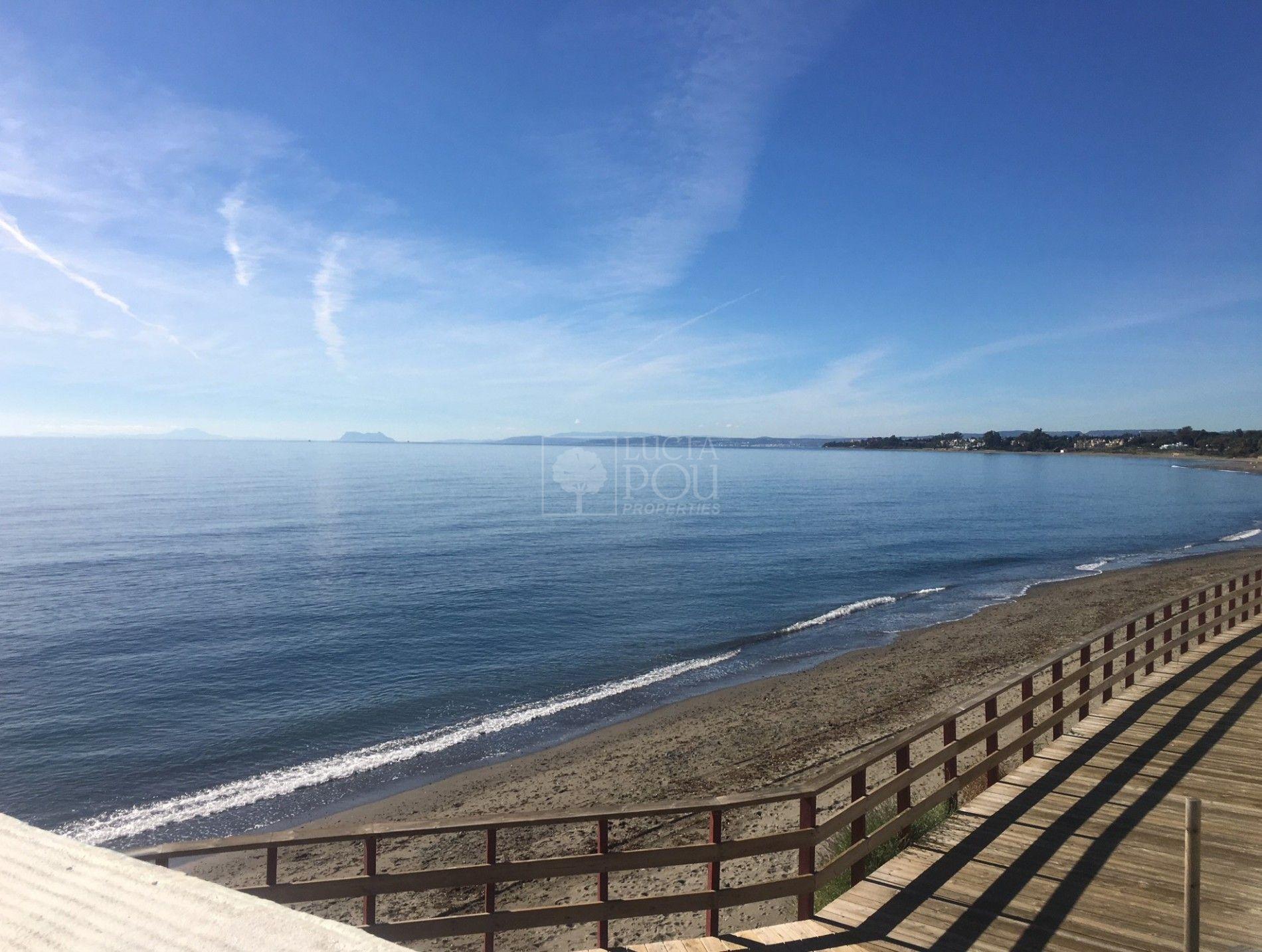 Adosado  en Beach Side New Golden Mile, Estepona