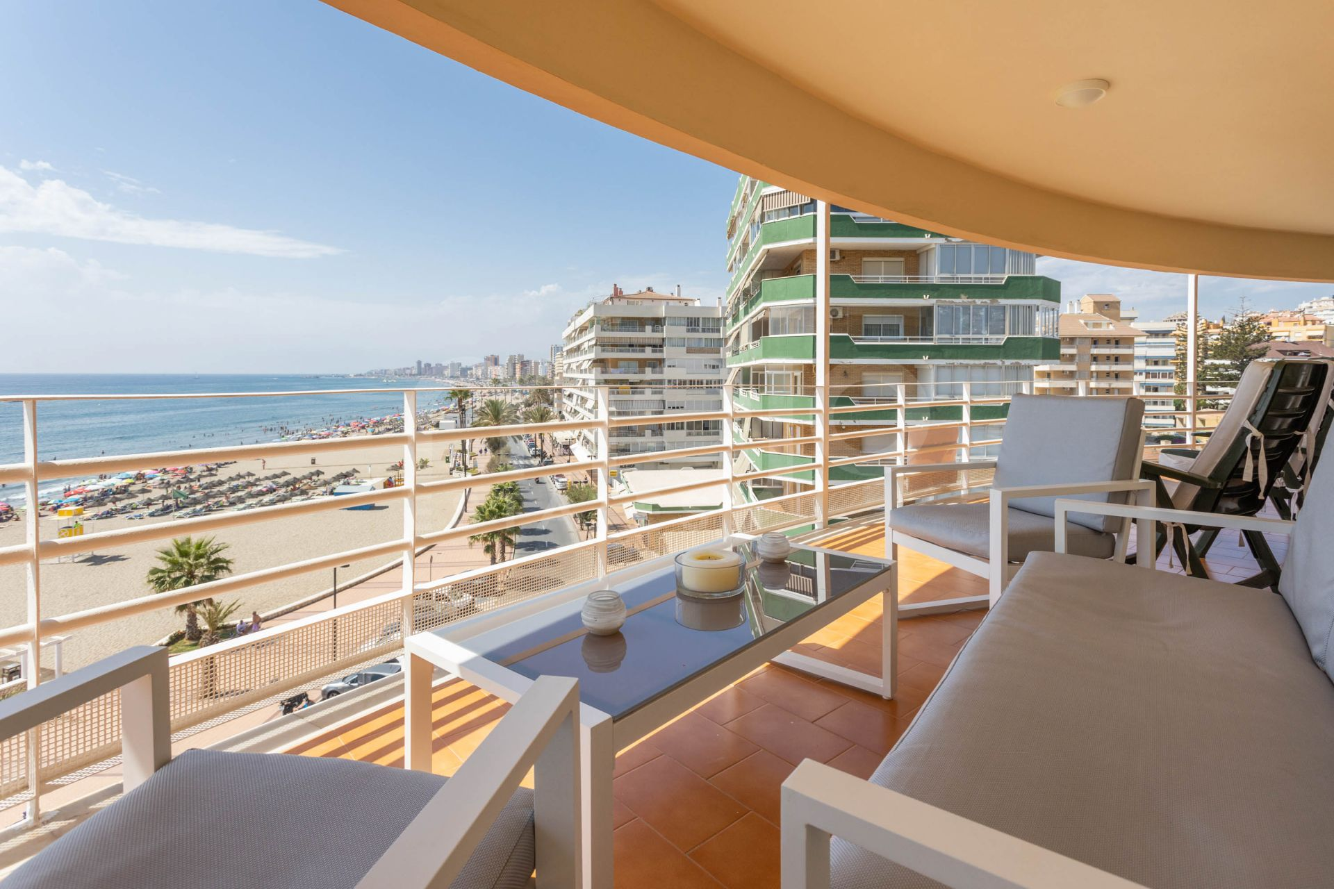 A large front line beach apartment with enormous terrace and stunning sea views!