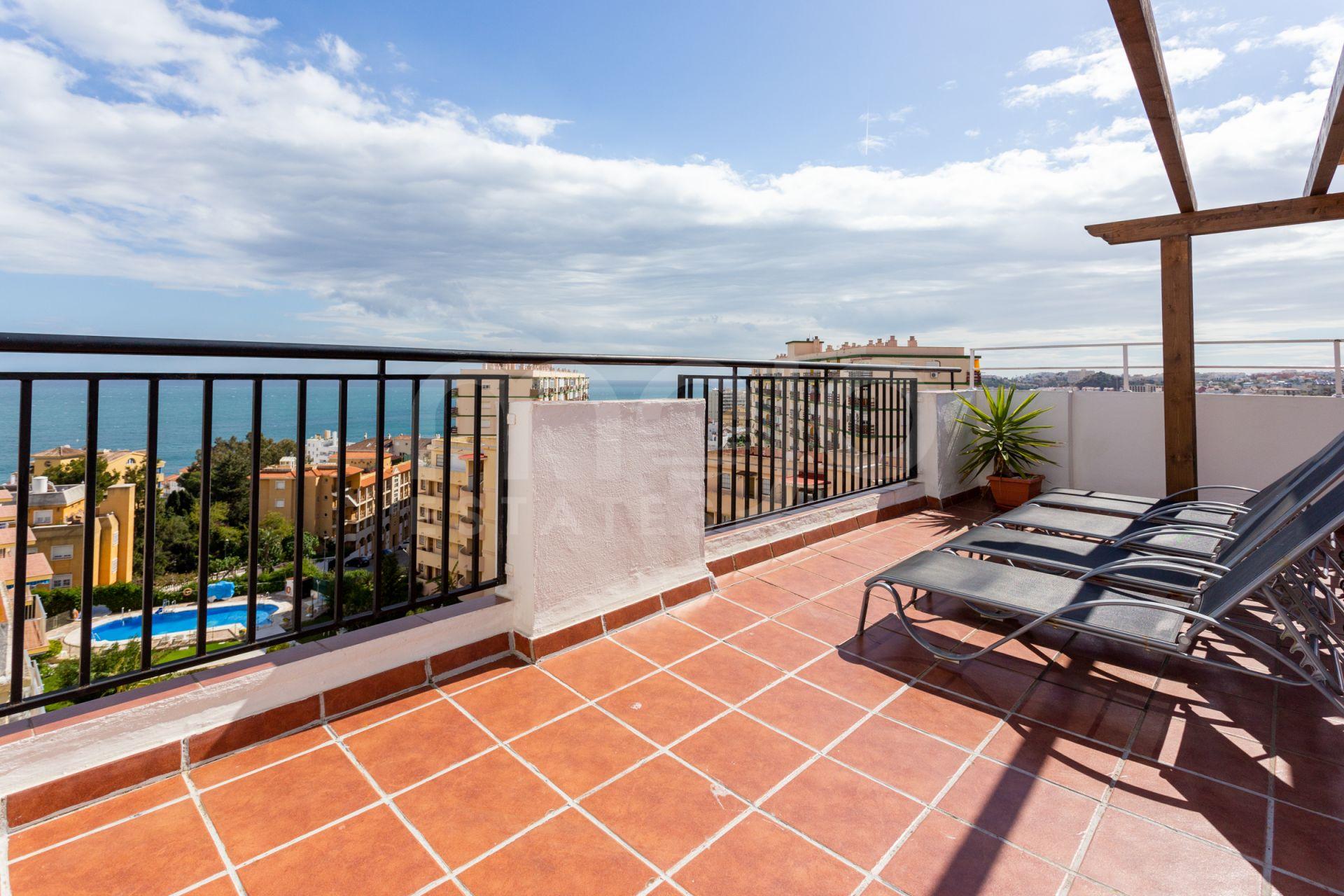 Fabulous penthouse within an excellent location in Benalmadena, Arroyo de la Miel.