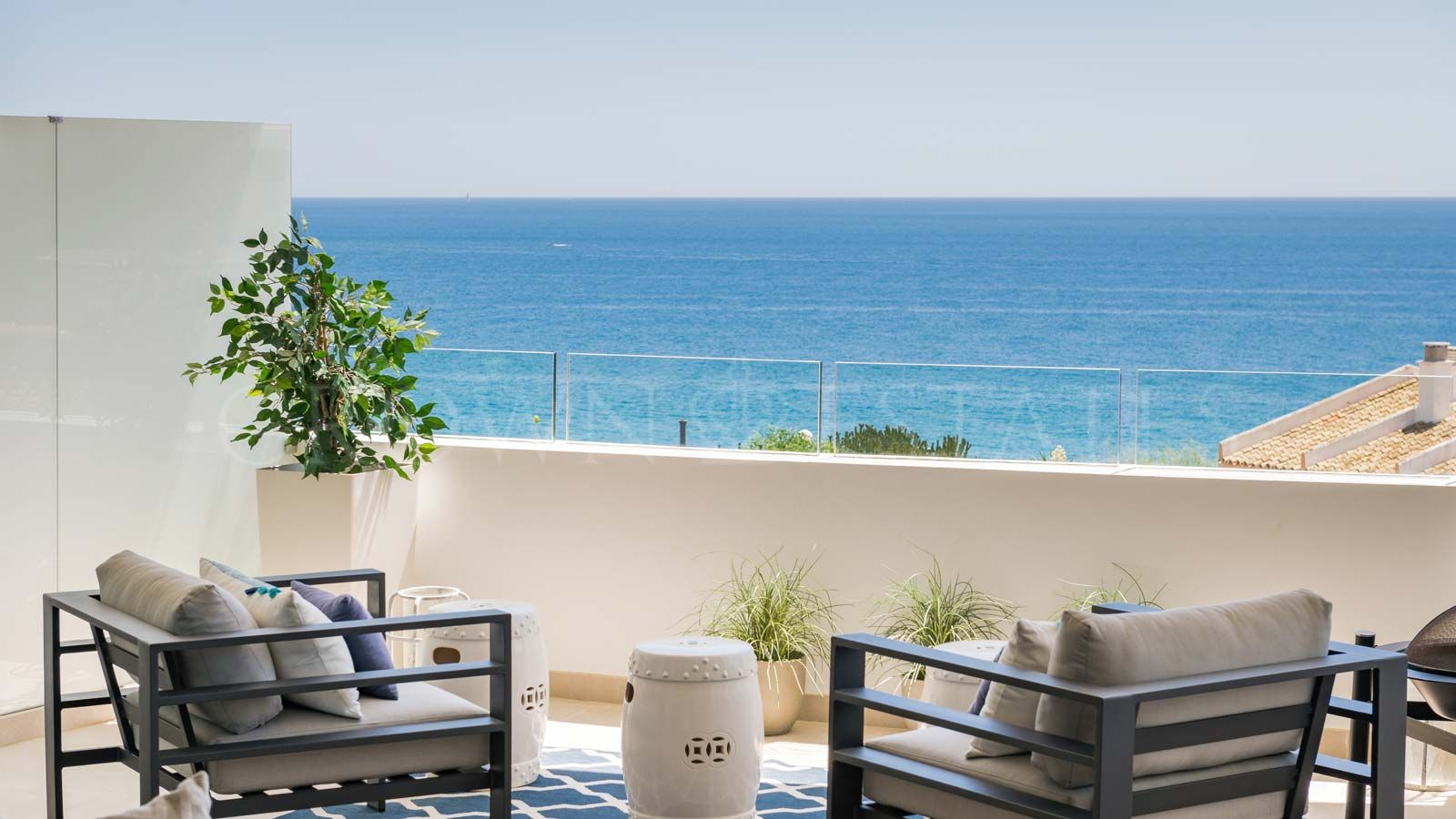 9440 square metres of prime Costa del Sol land transformed into an iconicresidential resort that brings new standards of quality to its Mijas Costalocation.