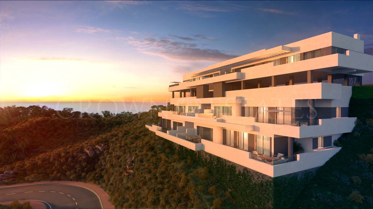 A total of 82 apartments within an already consolidated gated golf complex.Enjoy the stunning sea views from your peacefull spot, while having all theamenities within walking distance.