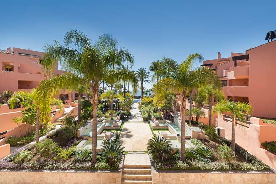 Mar Azul, exclusive apartments with direct access to the beach in Estepona