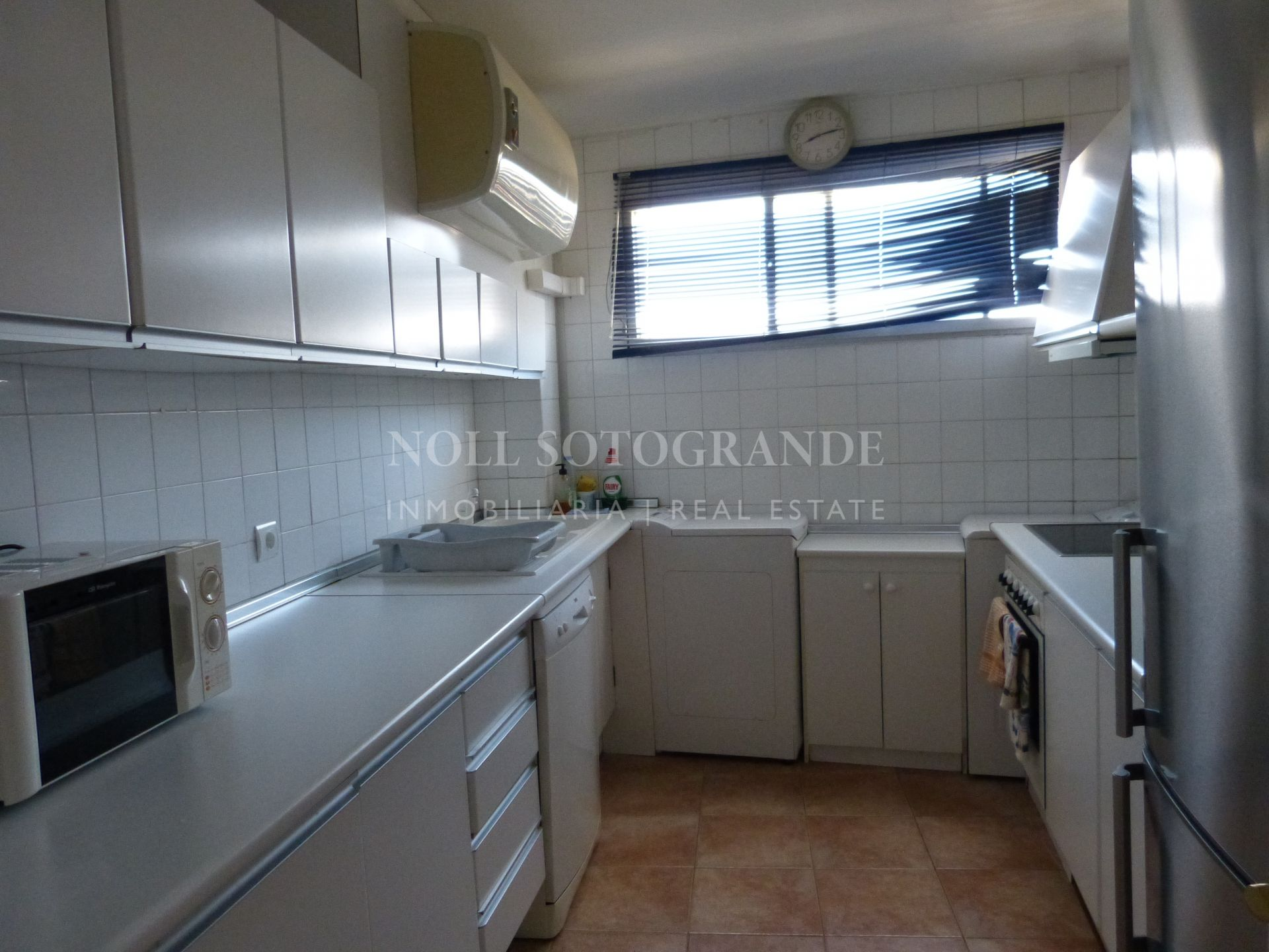 Top floor apartment in Torreguadiaro tower block