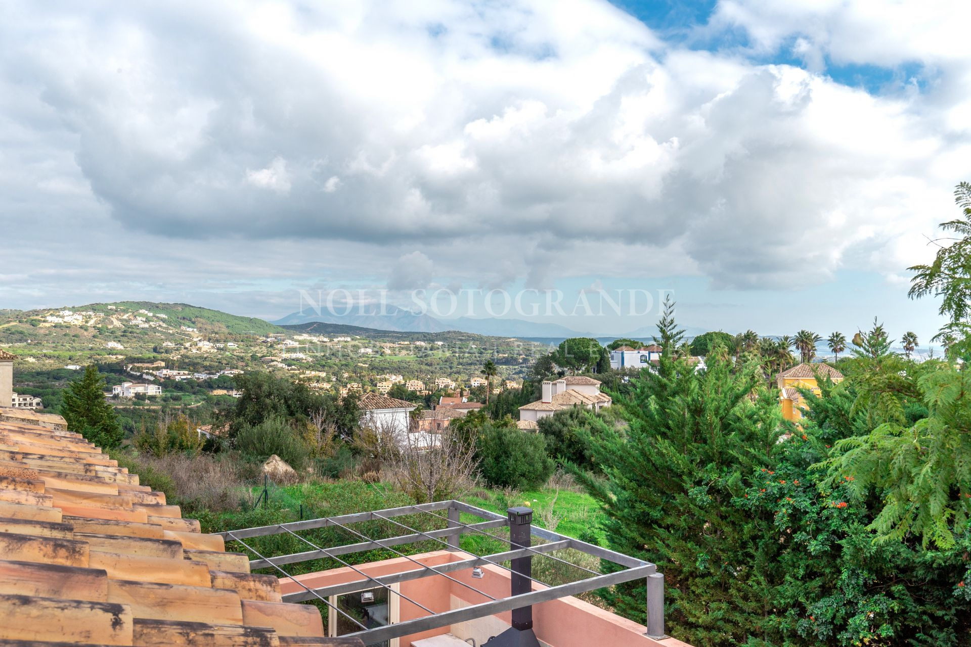 Family home in Sotogrande Alto near school to rent