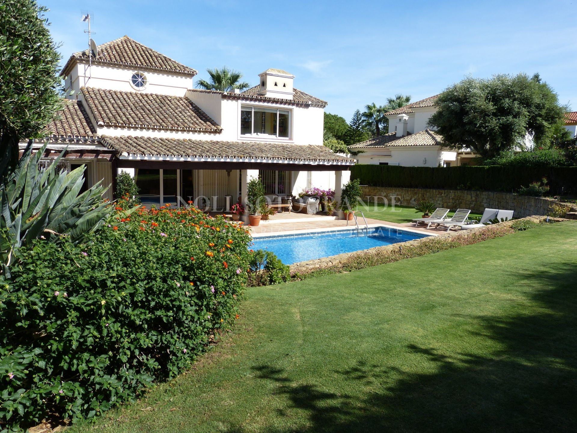 Well maintained villa for sale Sotogrande Costa