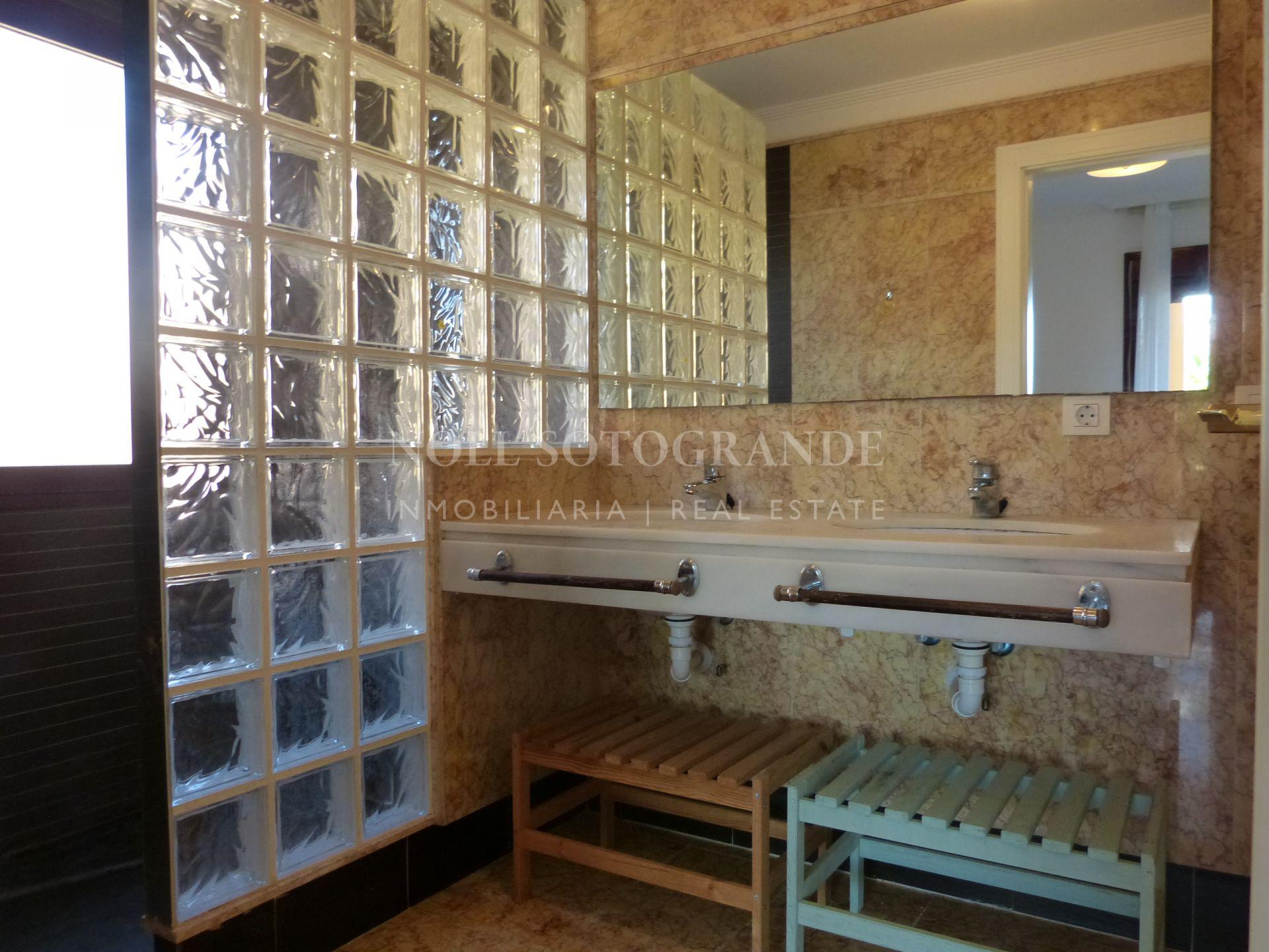 Apartment for sale in Los Gazules, Sotogrande Alto