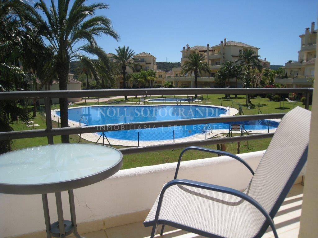 Duplex-Apartment with private garden in San Roque Club for rent