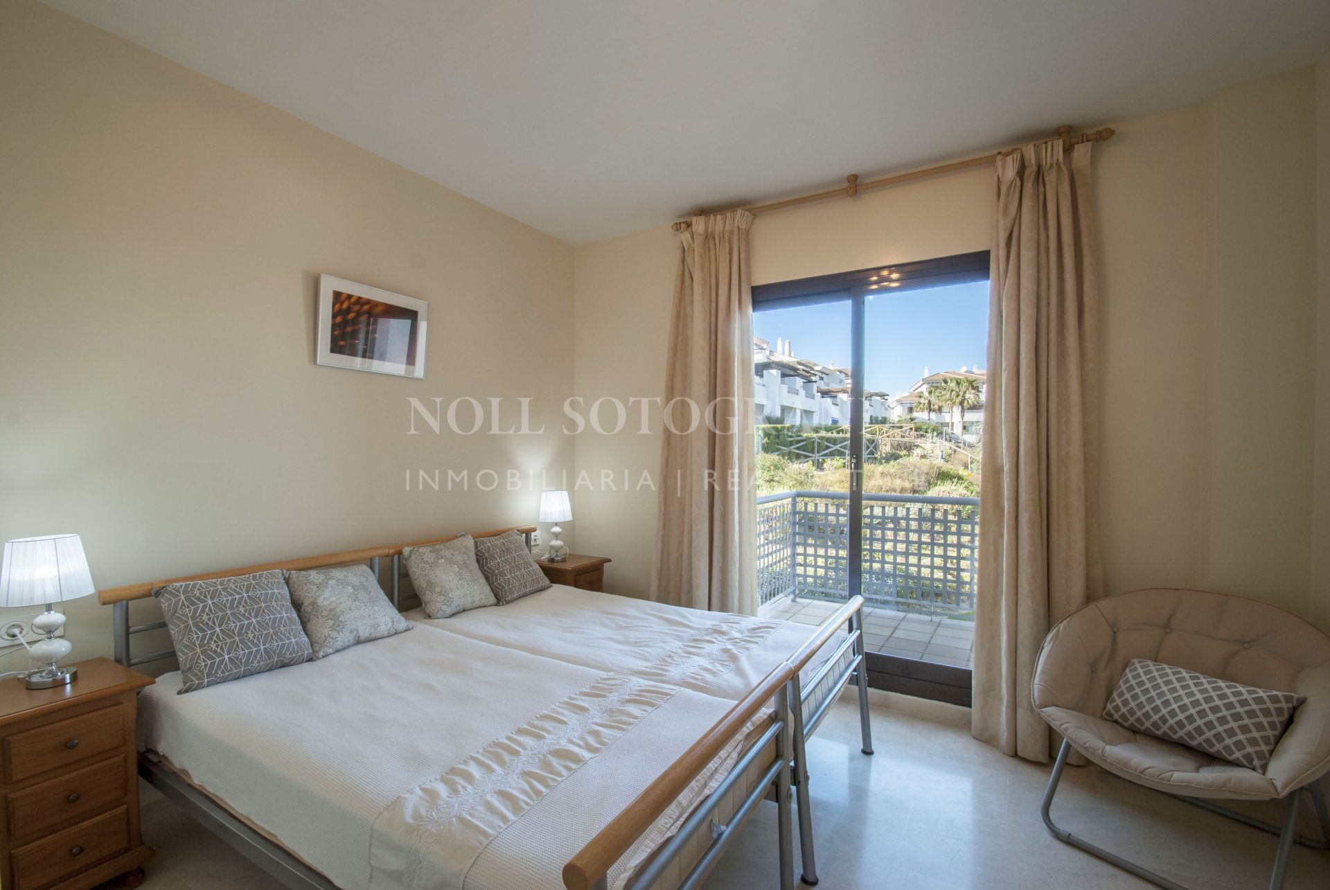 Spacious apartment with stunning views in Alcaidesa Village for rent