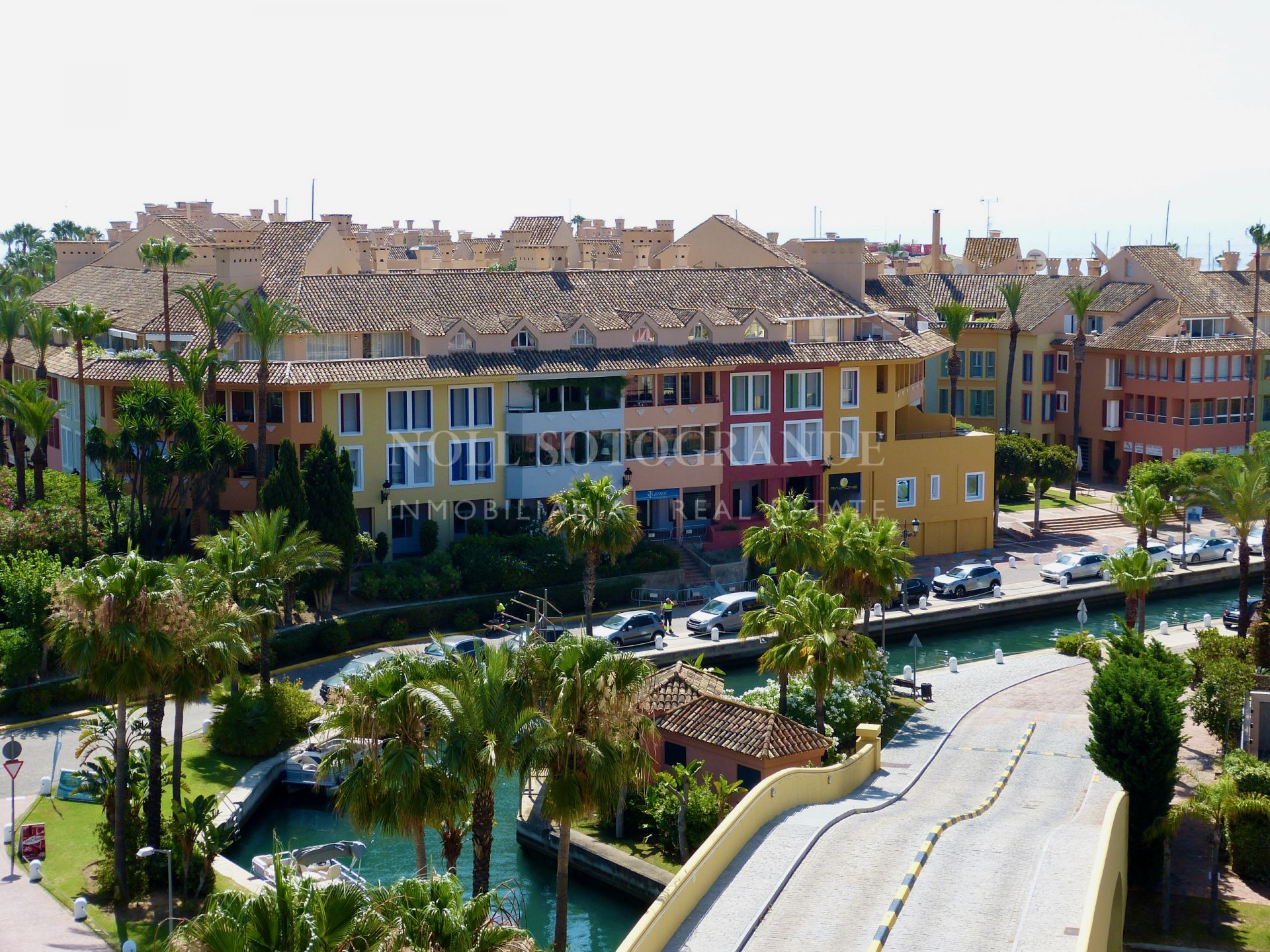 Penthouse for sale in Ribera del Marlin, Sotogrande