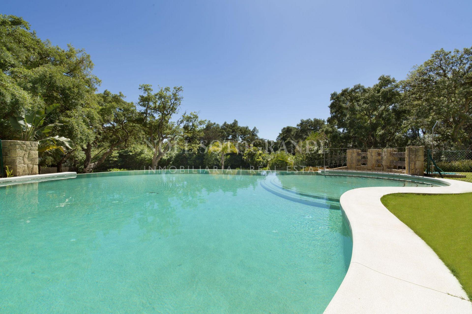 Sotogrande, Luxusvilla am Valderrama Golfplatz zu verkaufen