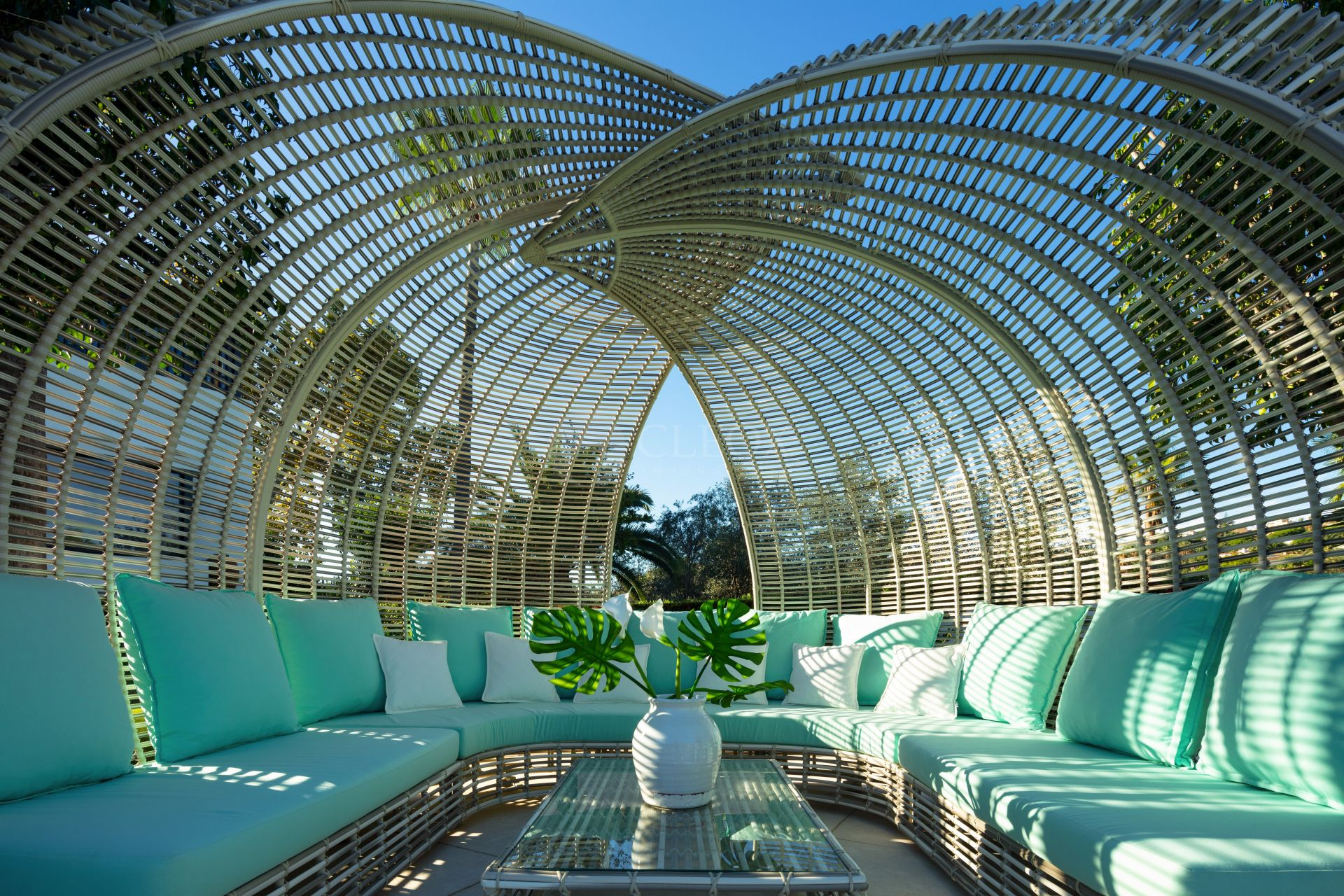 Mansion for sale in Parcelas del Golf, Nueva Andalucia, Marbella