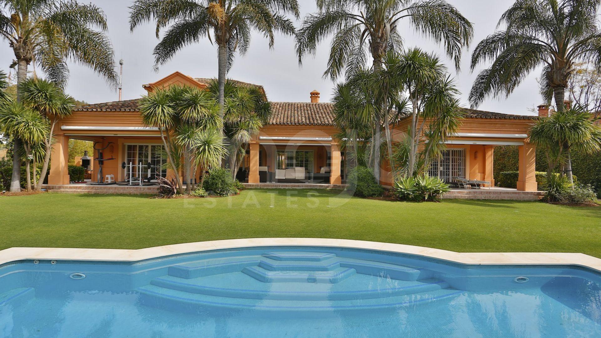 Villa te koop in Guadalmina Baja, San Pedro de Alcantara