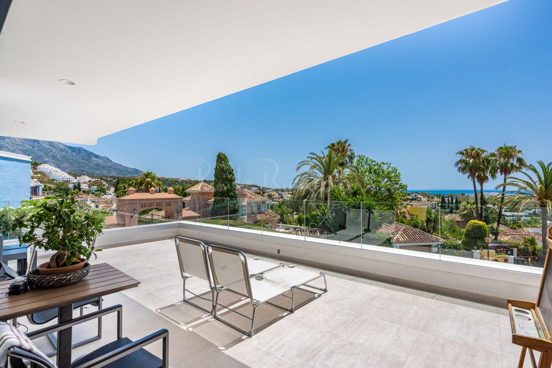 Apartment in Azahar de Marbella, Marbella