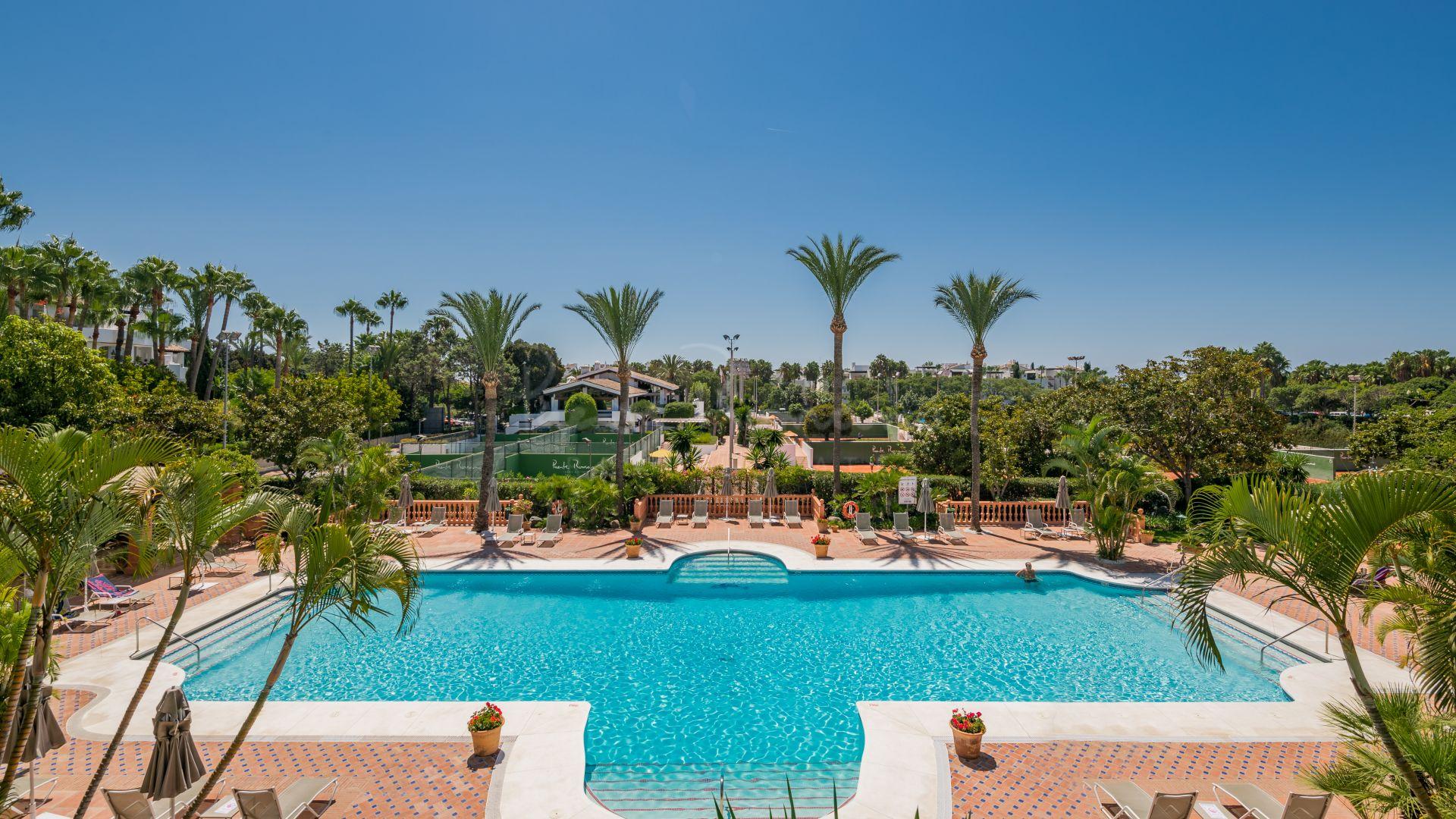 Apartment in Marina de Puente Romano, Marbella
