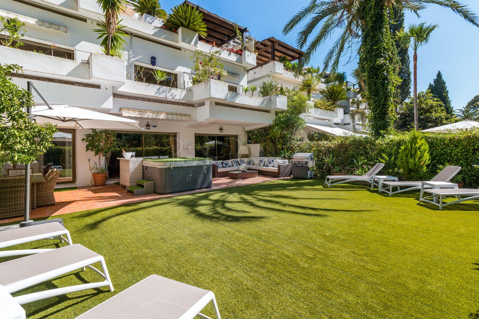 Ground Floor Duplex in Marbella Golden Mile, Marbella