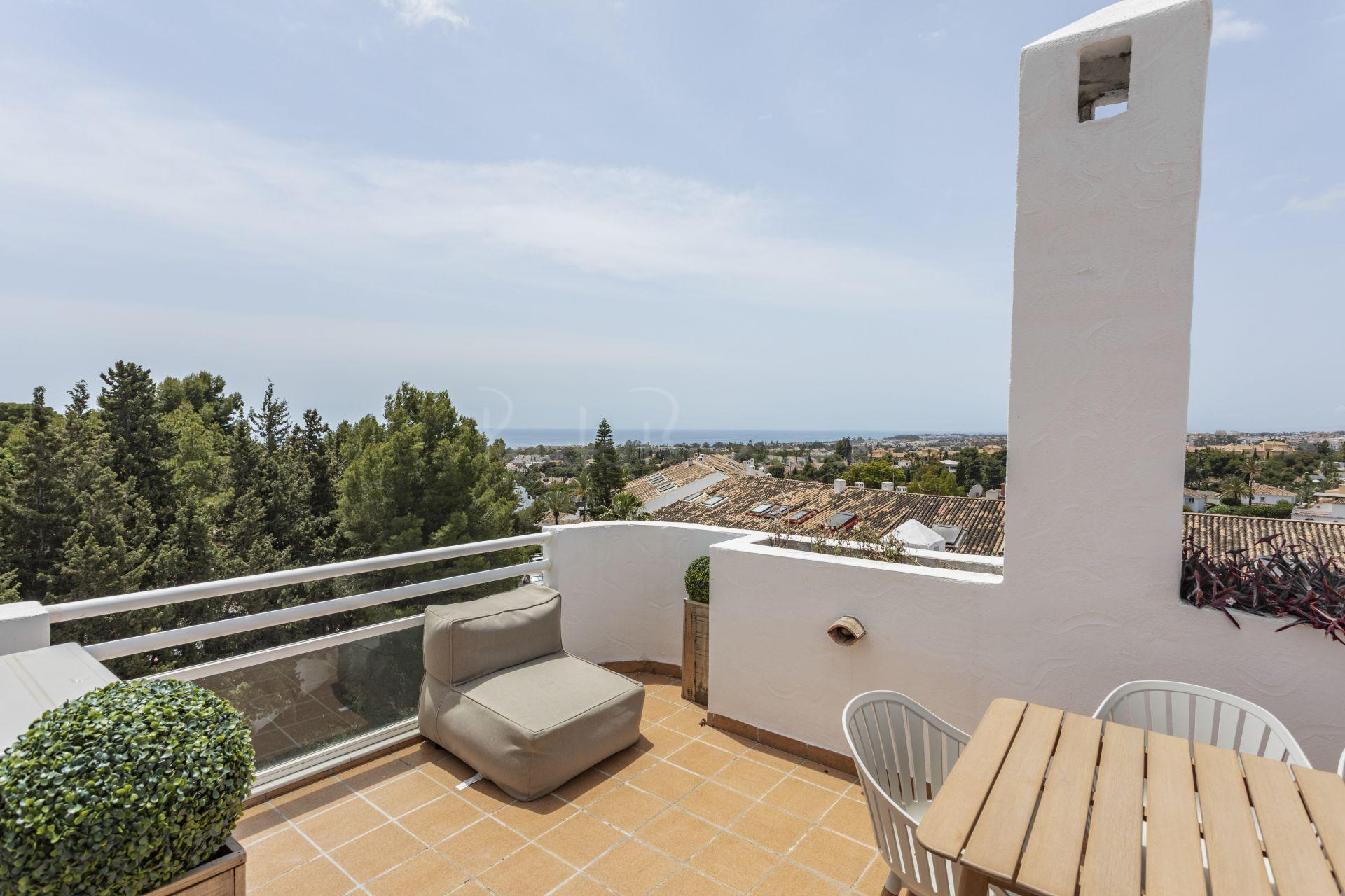 Penthouse in Nueva Andalucia, Marbella