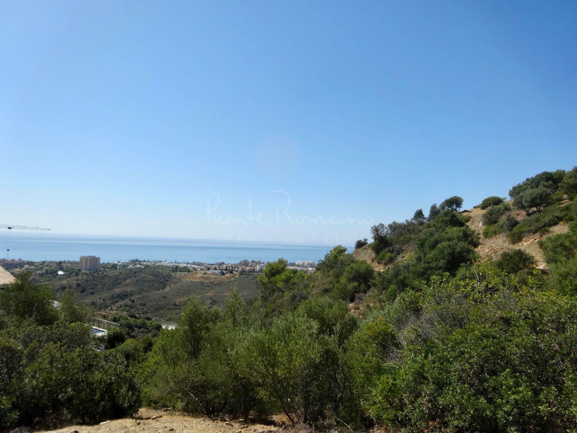 Plot in Los Altos de los Monteros, Marbella