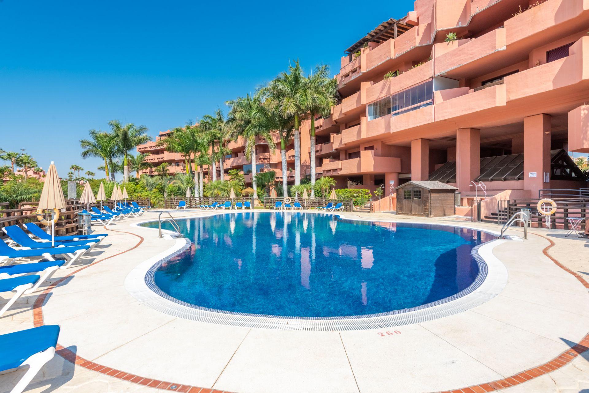 Apartment in Las Nayades, Estepona