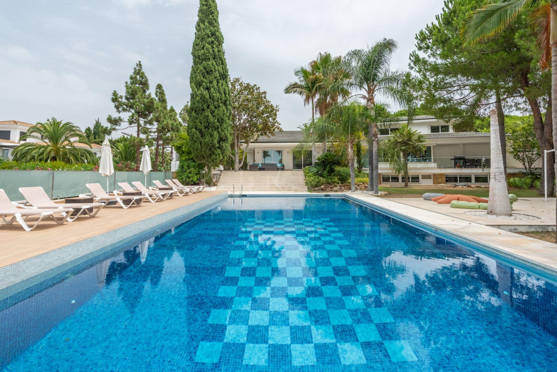 Villa in Hacienda las Chapas, Marbella