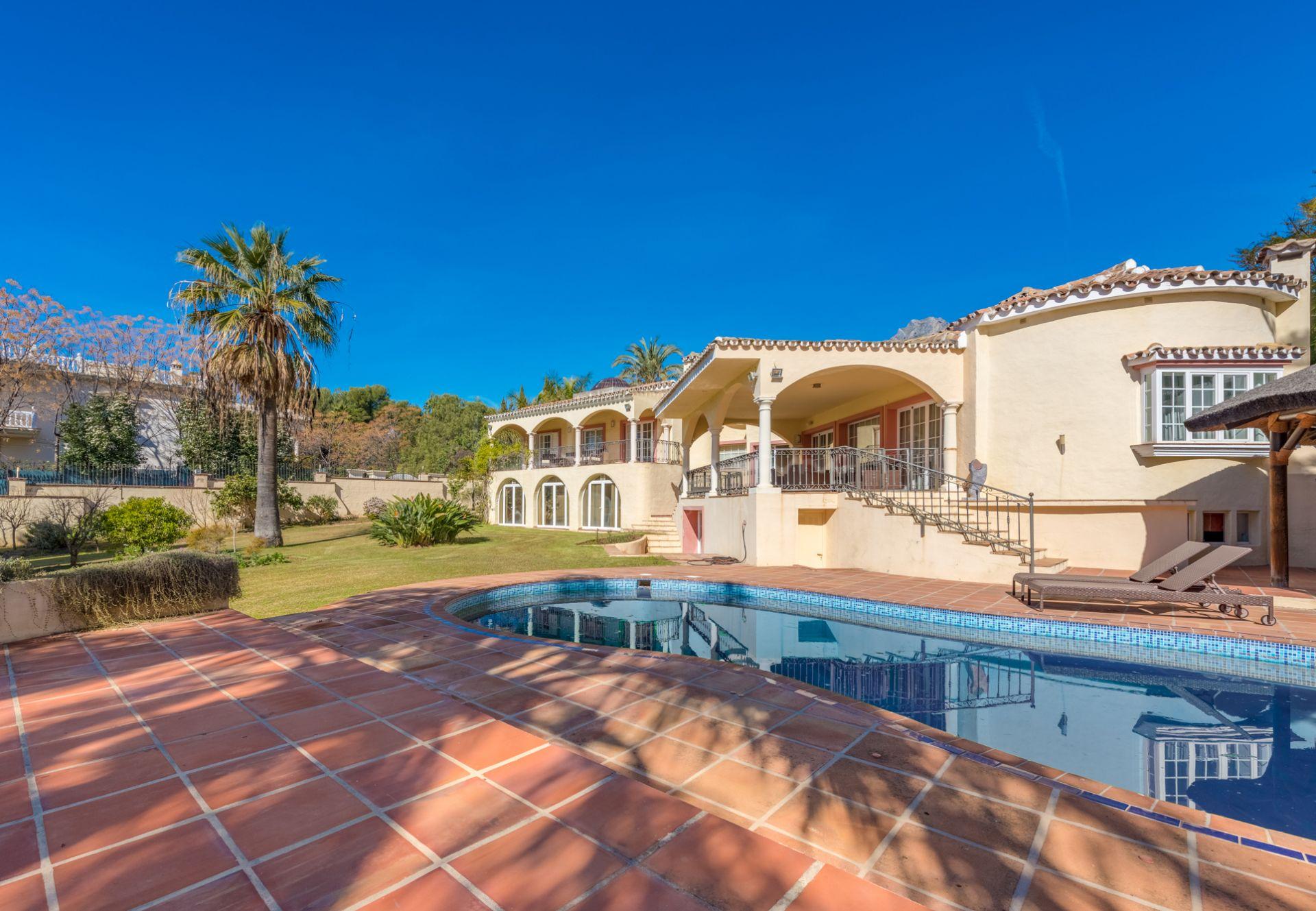 Villa in Rocio de Nagüeles, Marbella