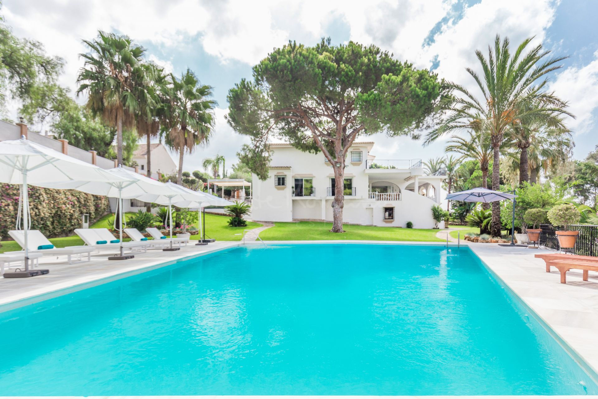 Villa in Rio Real Golf, Marbella