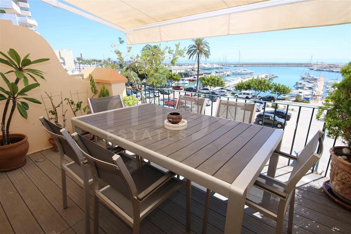 Geschakeld huis te koop in Estepona Puerto