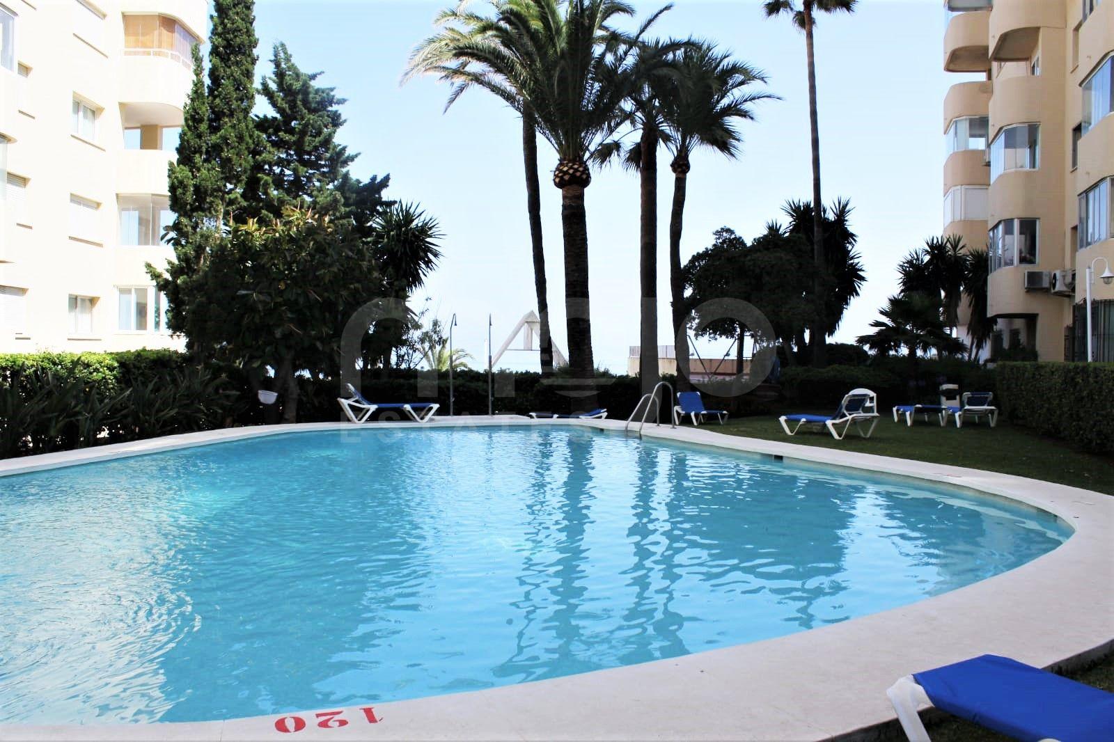 Lägenhet till salu i Estepona Puerto