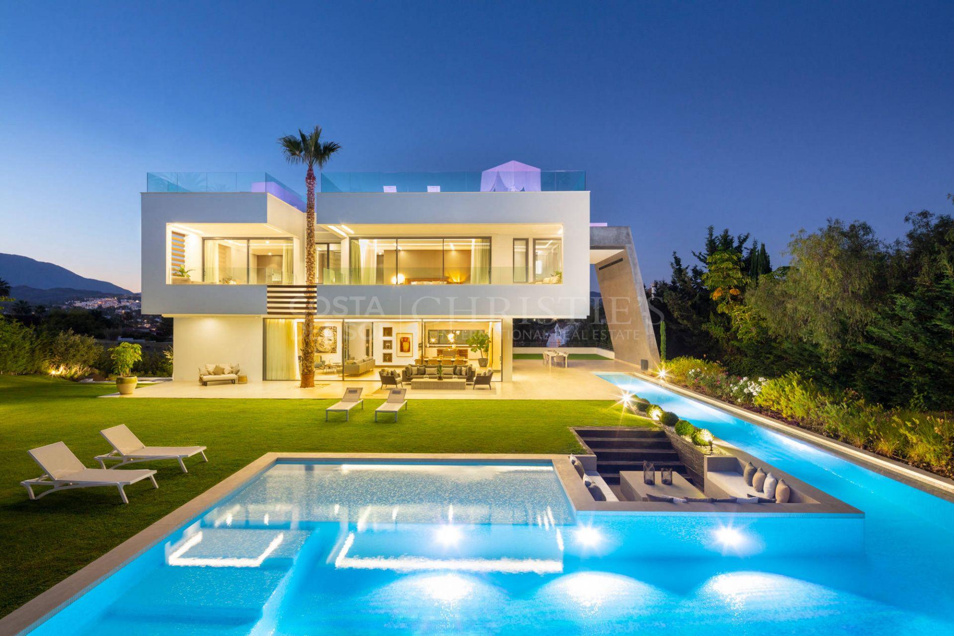 Contemporary style villa Alminar 5 in Nueva Andalucía | Christie's International Real Estate