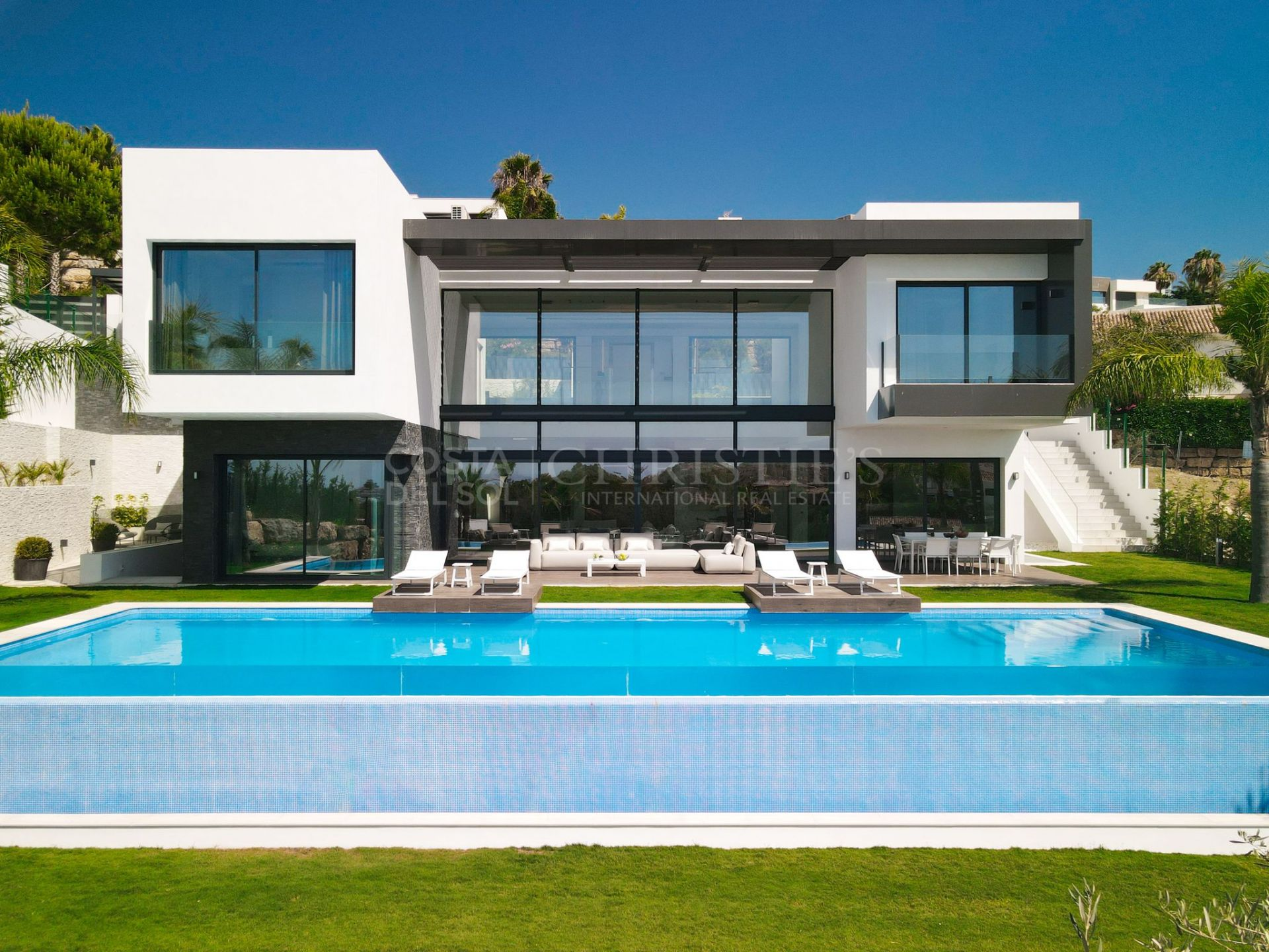 Stylish villa in La Alquería, Benahavís | Christie's International Real Estate