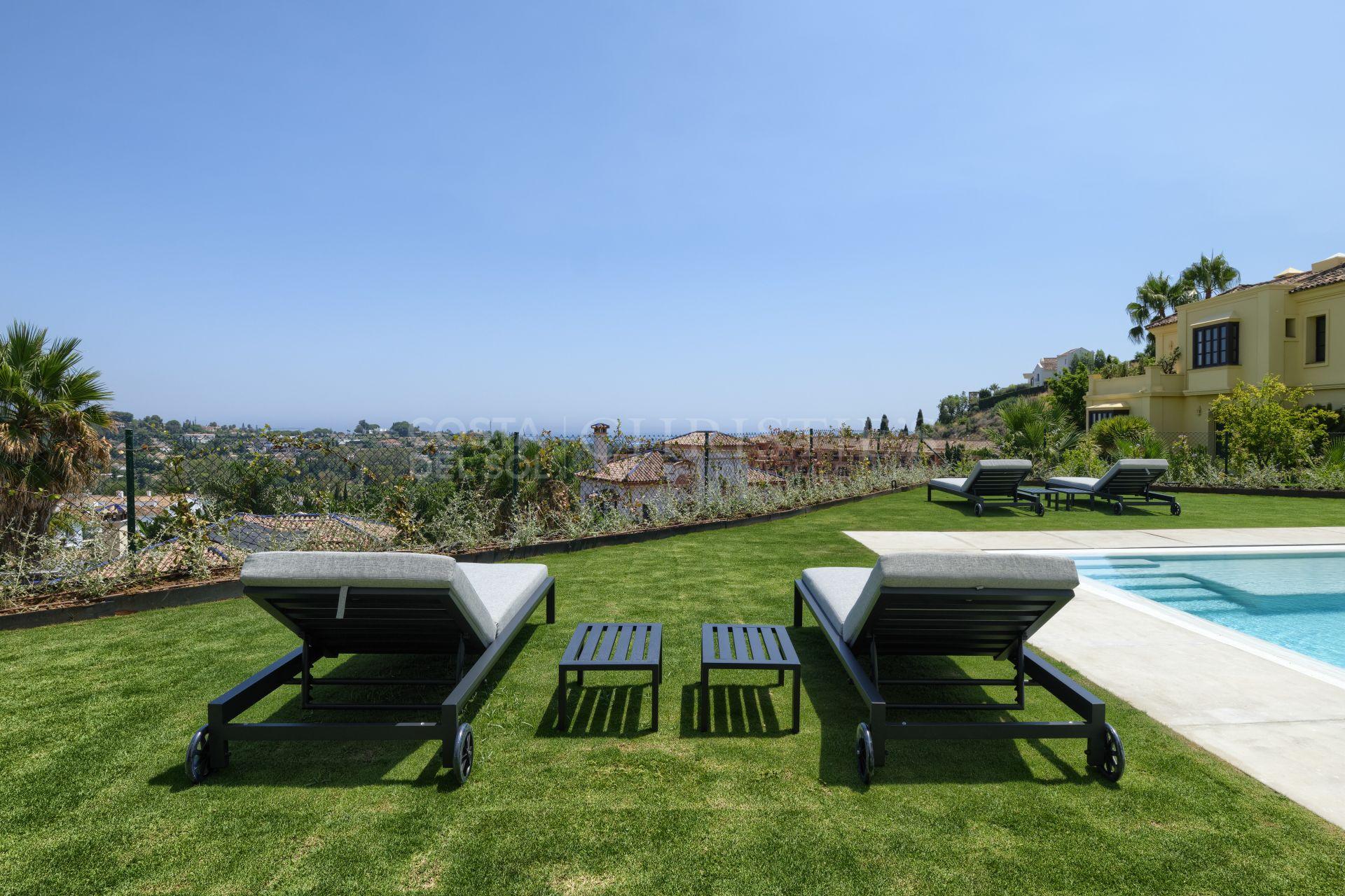 Villa in El Paraiso Alto | Christie's International Real Estate