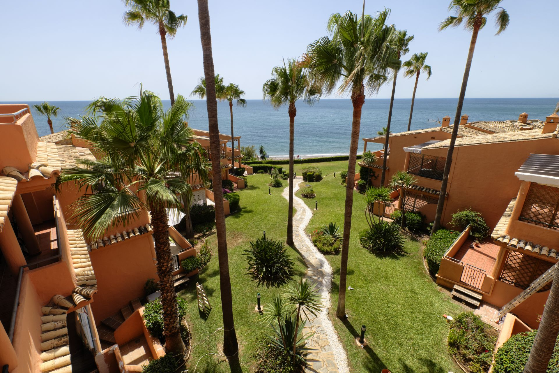 Exclusive penthouse at Estepona front line beach | Christie's International Real Estate