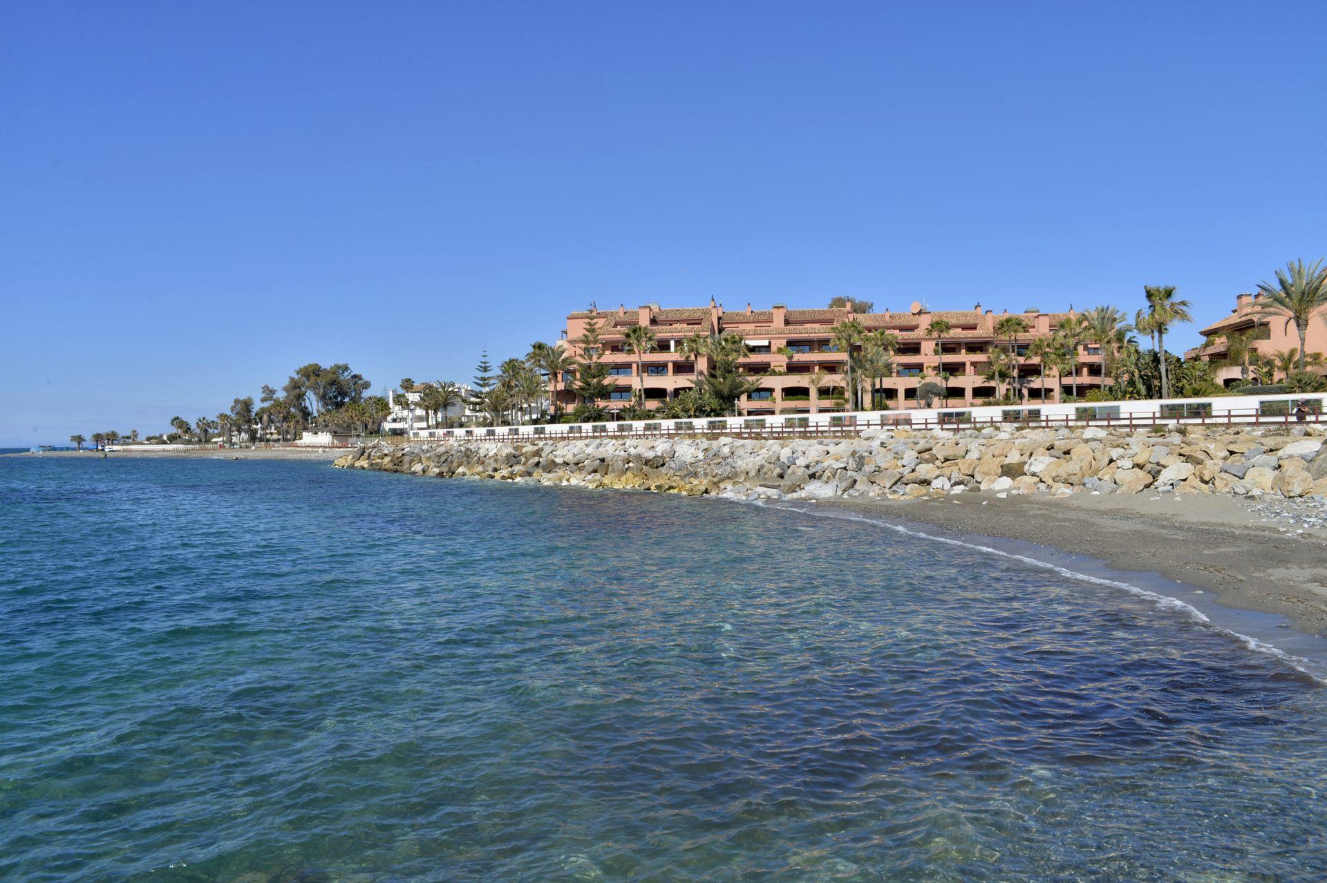 Malibu beachside Apartment, San Pedro Alcantara | Christie's International Real Estate