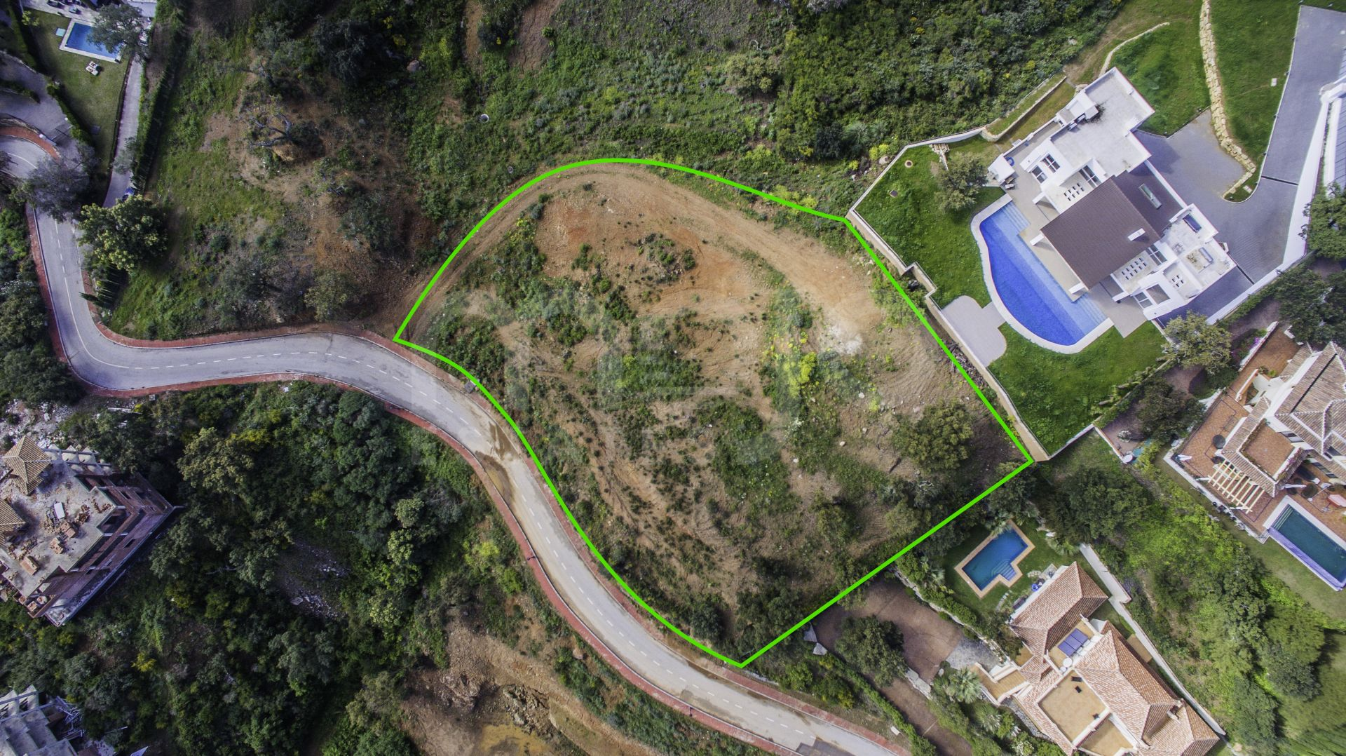 GENEROUS PLOT OF LAND WITH LICENCE FOR VILLA IN LA MAIRENA, OJEN (CLOSE TO MARBELLA)