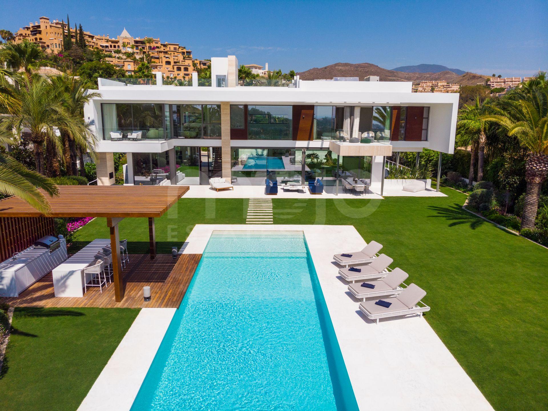 Brand New Contemporary 6 Bedroom Villa in La Cerquilla, Nueva Andalucía, Marbella