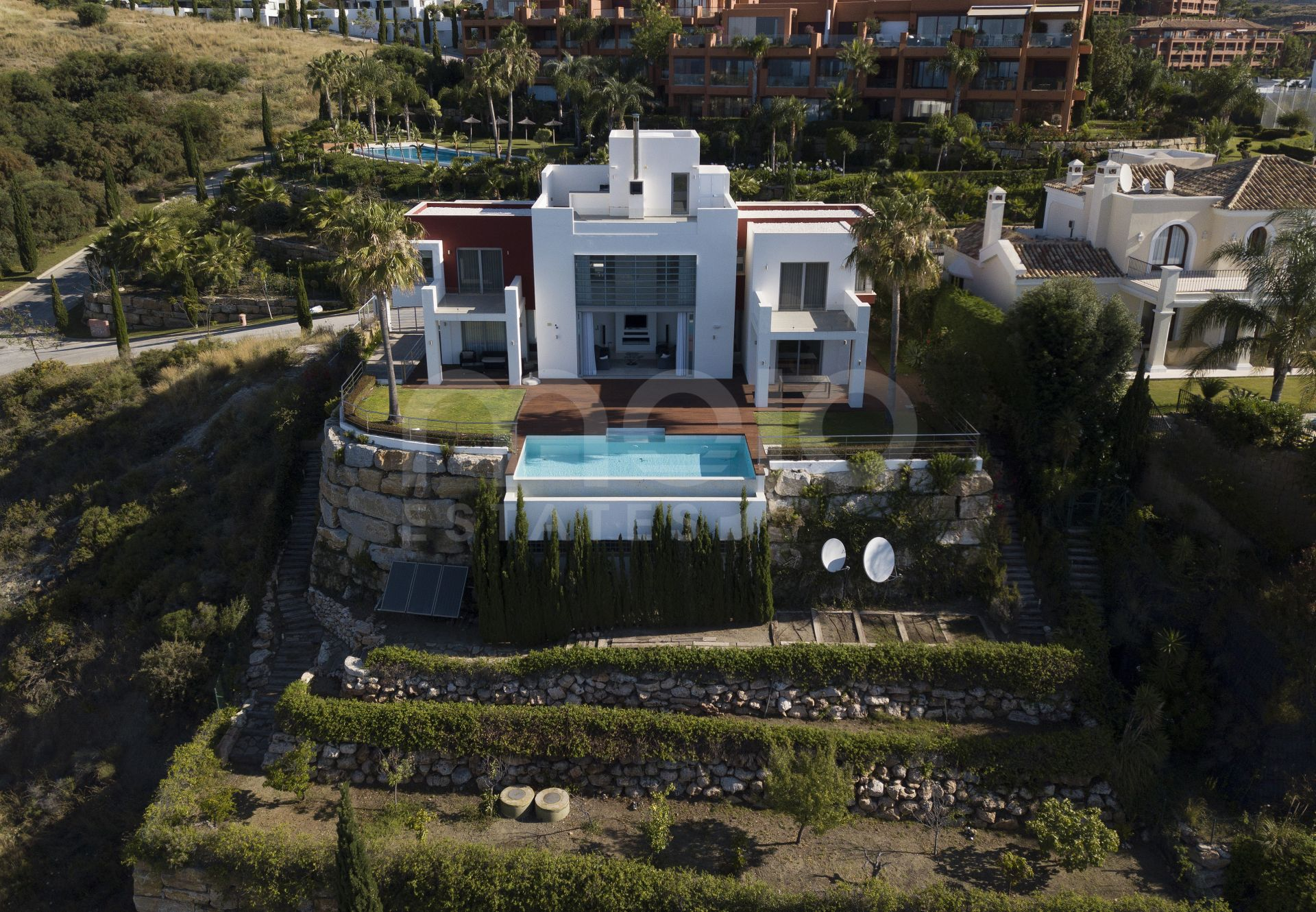 Villa te koop in Los Flamingos Golf, Benahavis