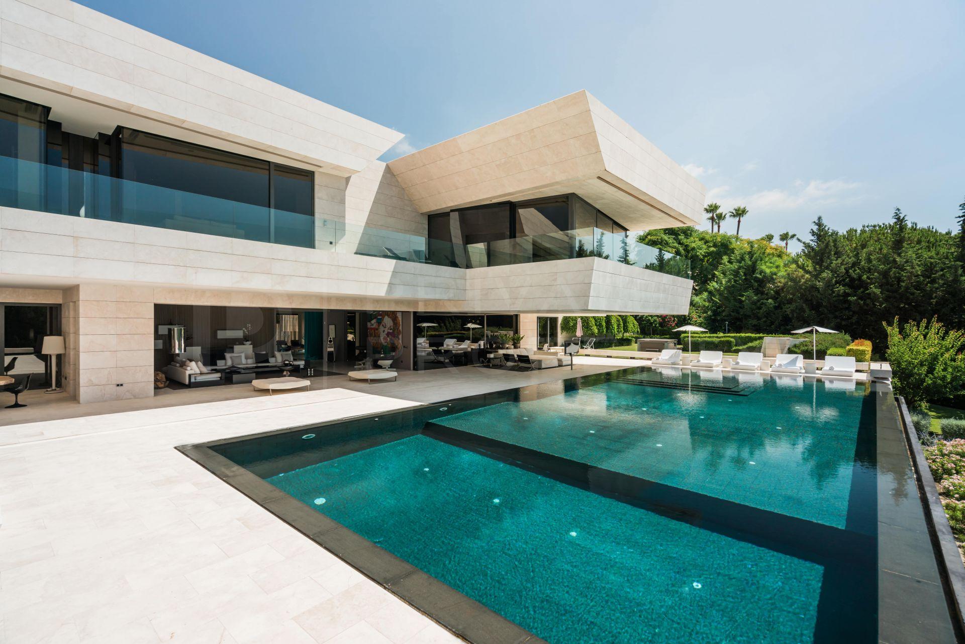 Breathtaking villa on the Golden Mile