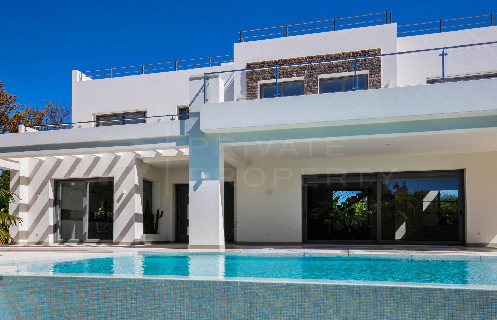 Modern villa in Casasola