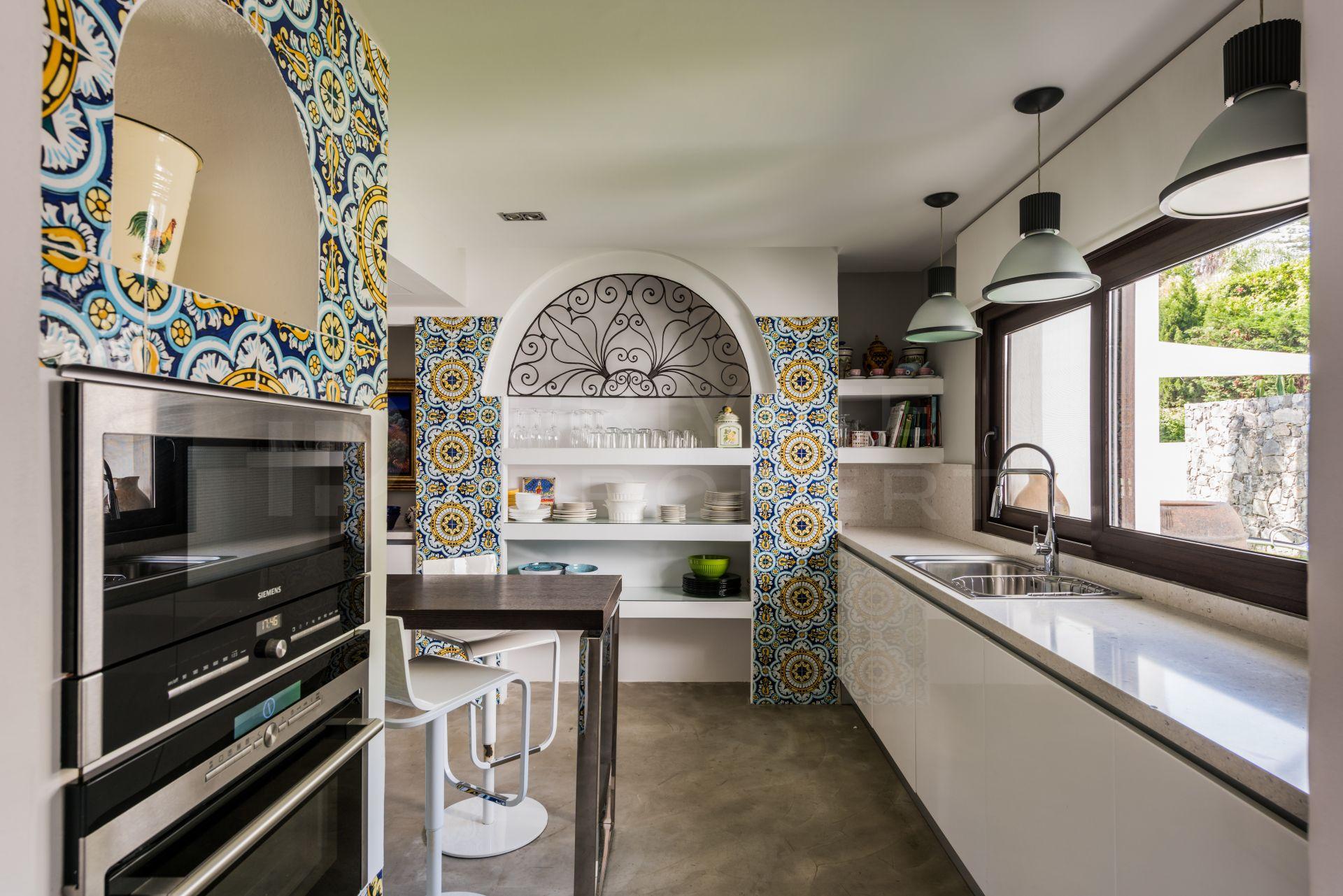Contemporary villa in Nueva Andalucia, Marbella