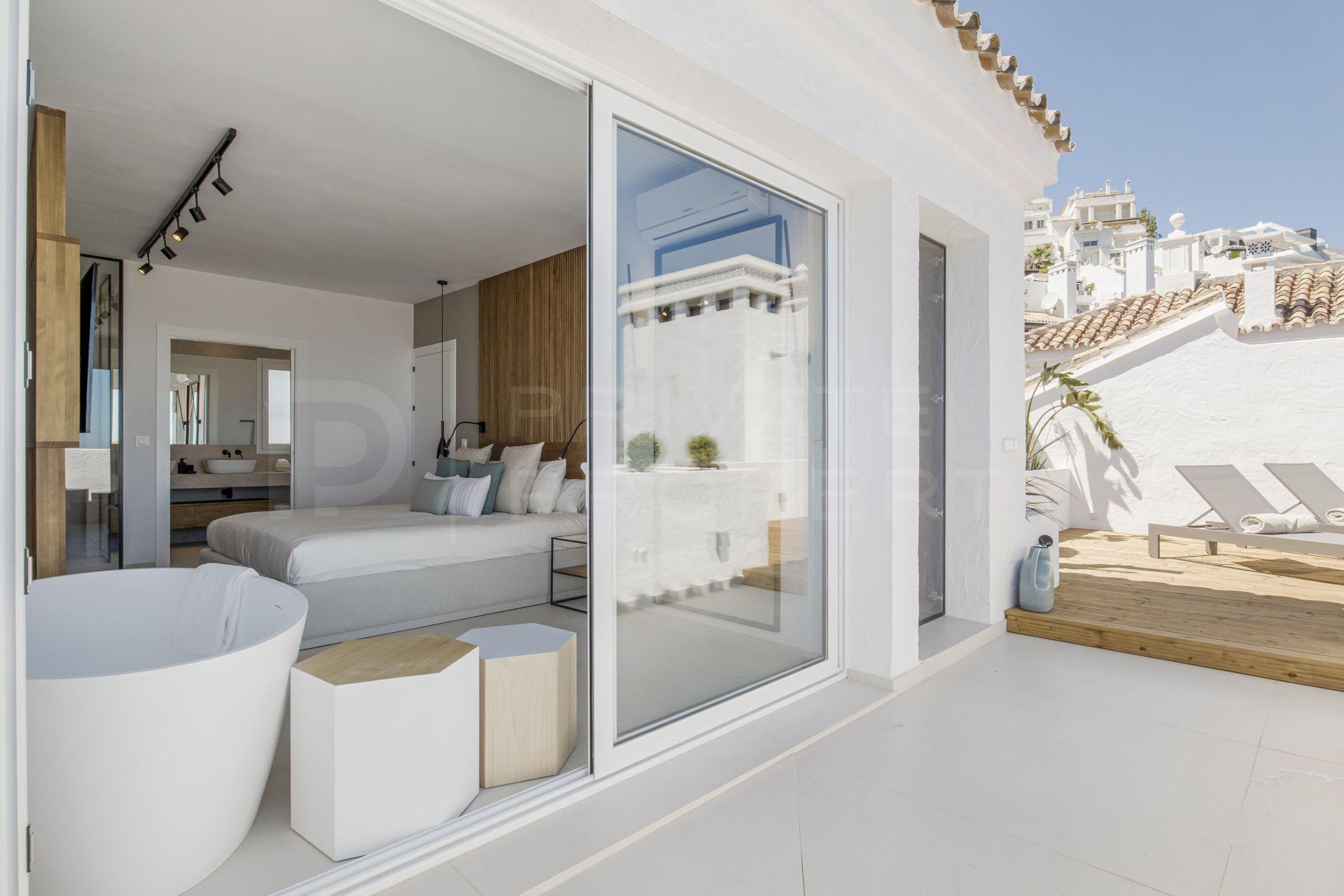 Duplex penthouse in Las Colinas