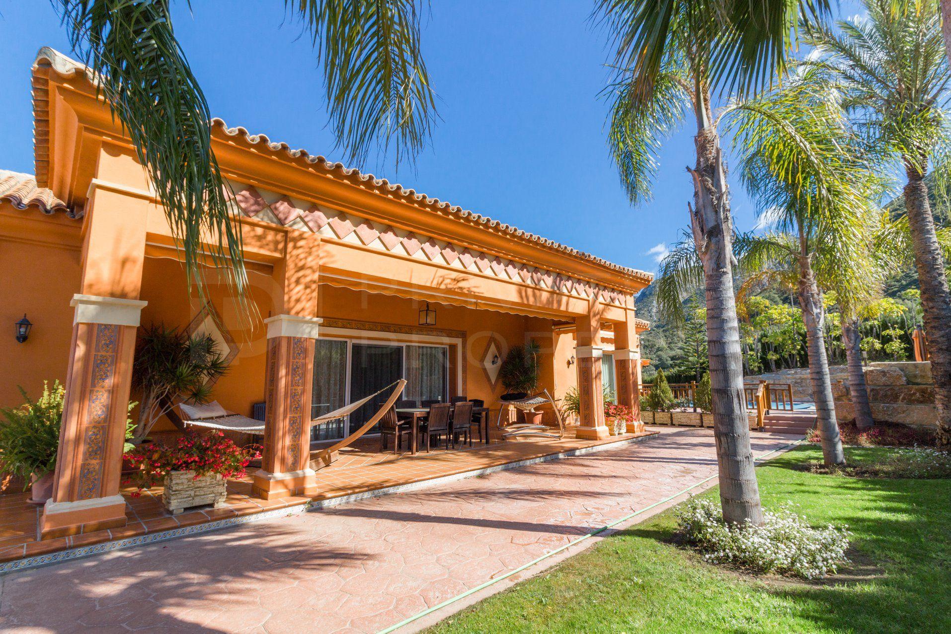 Immaculate cortijo style villa in Istán
