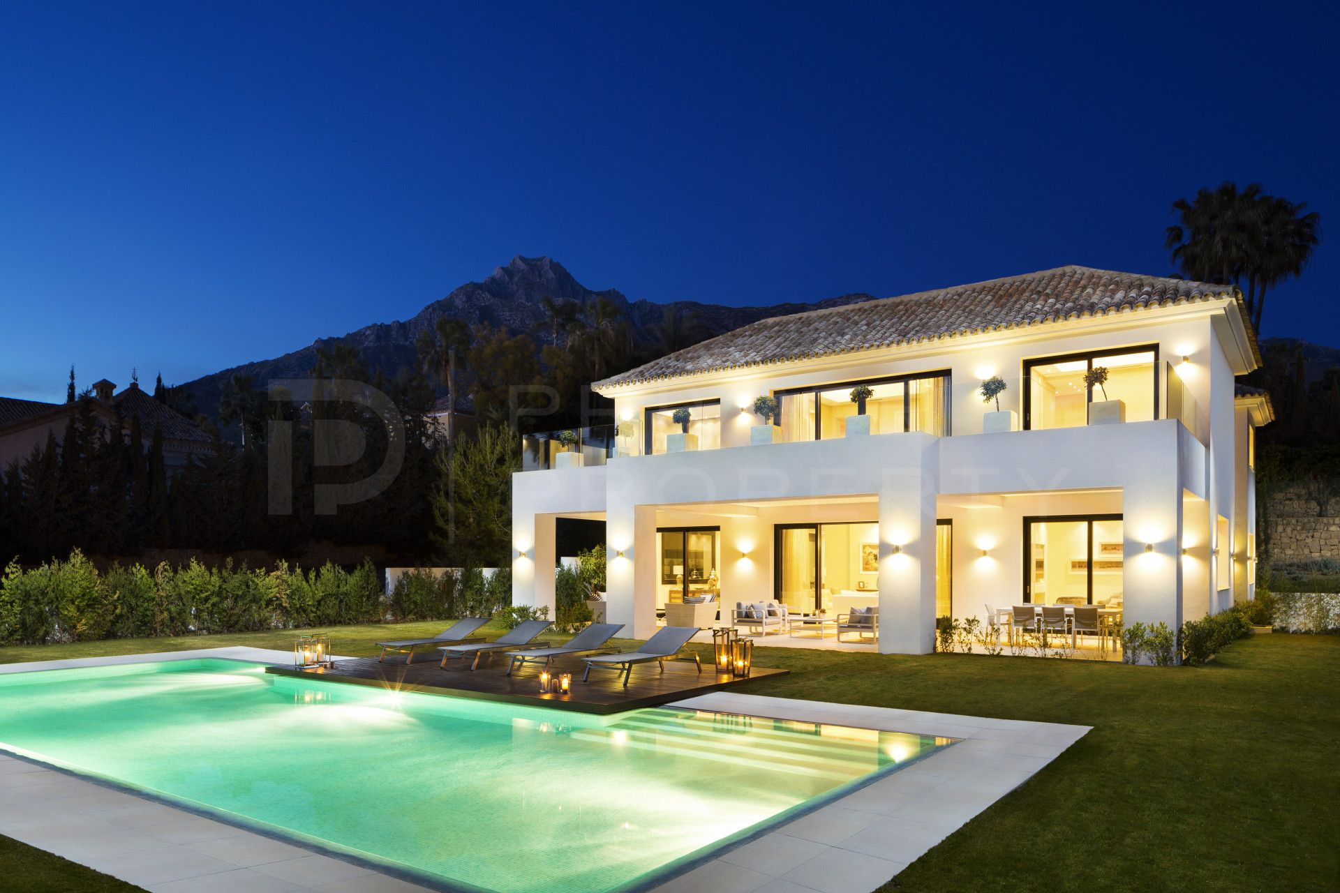 Immaculate villa in Sierra Blanca